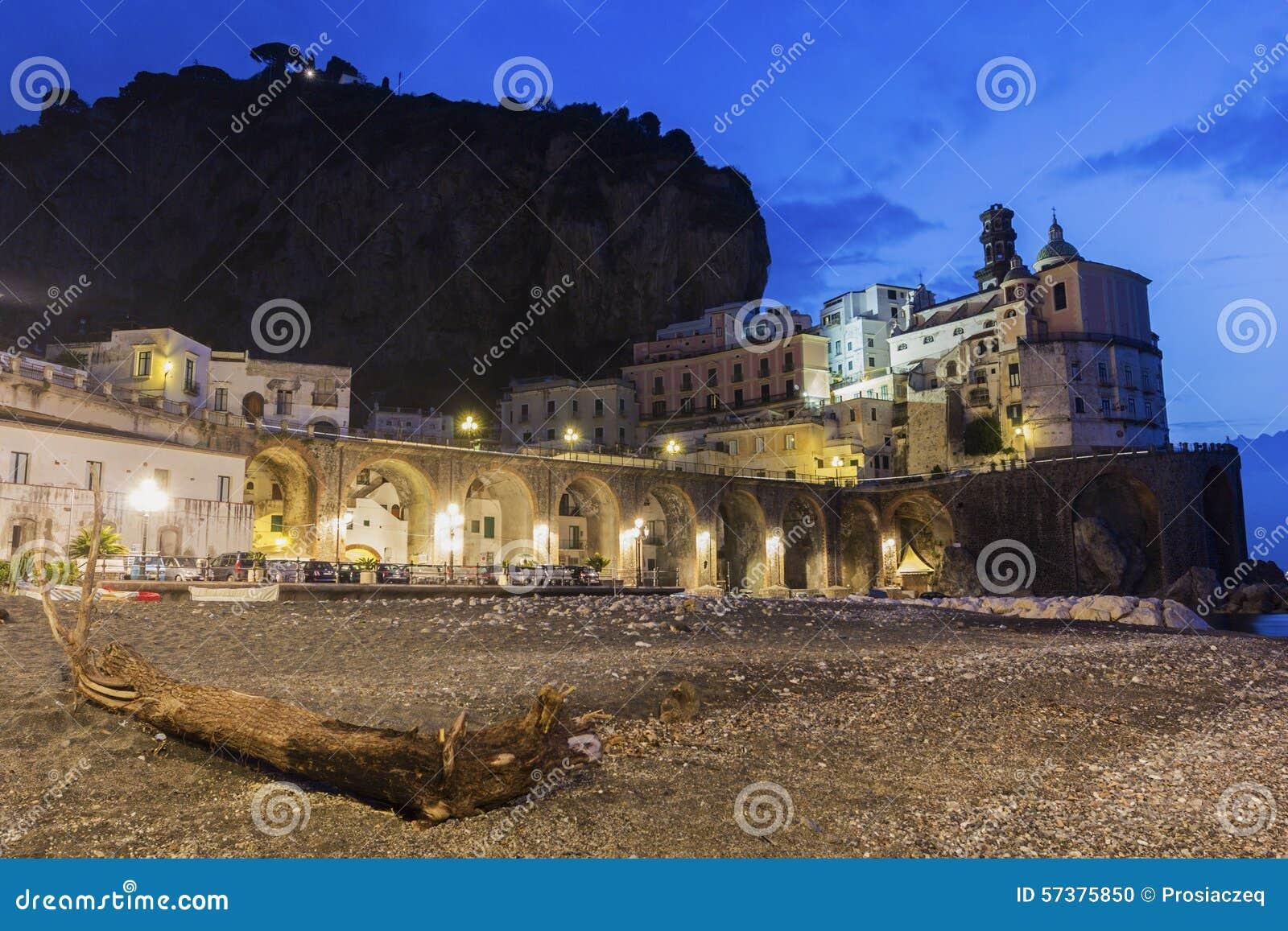 Atrani op Amalfi Kust in Italië