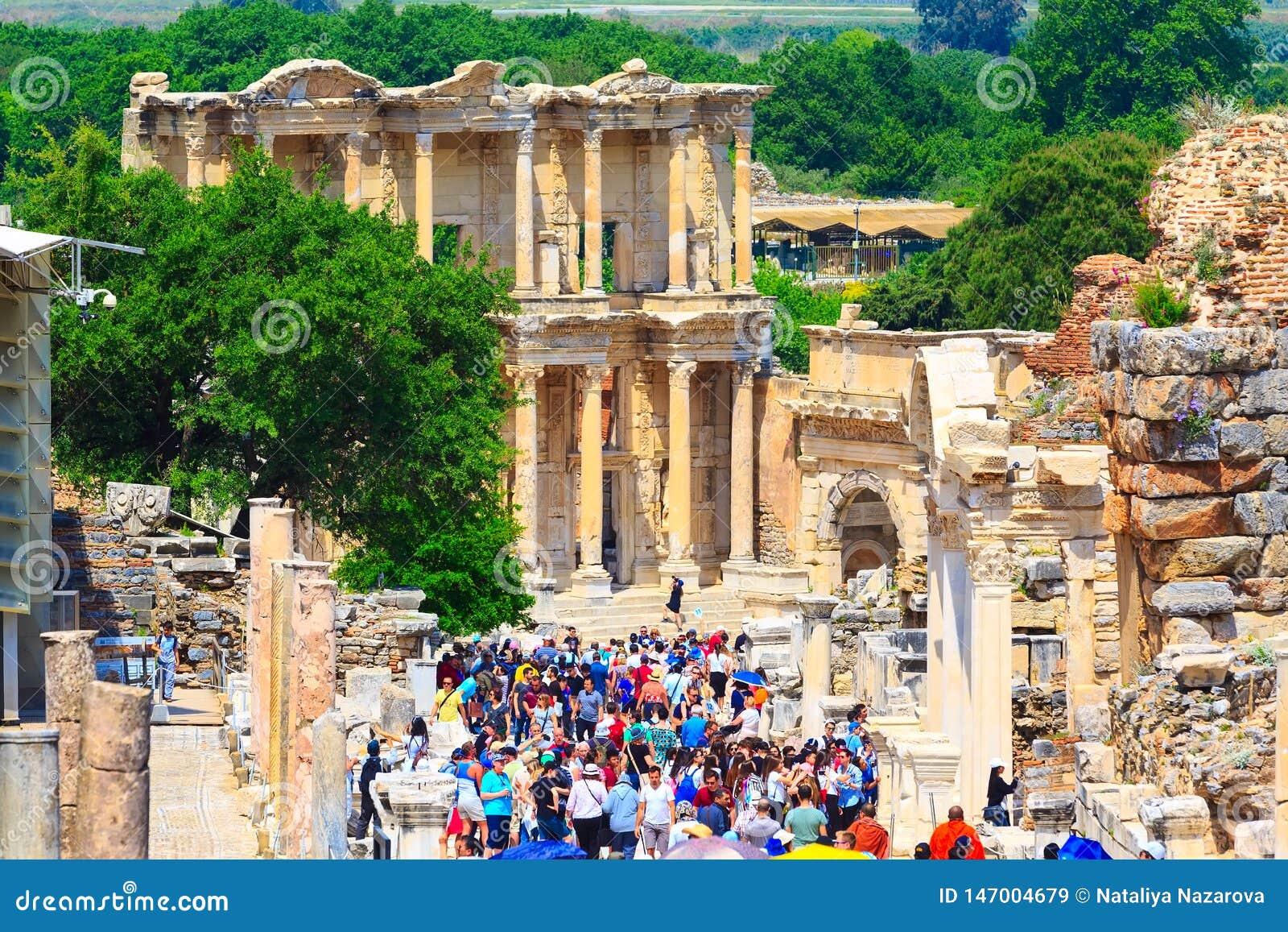 Att bes?ka f?r folk som ?r gammalt, f?rd?rvar av Ephesus, Turkiet