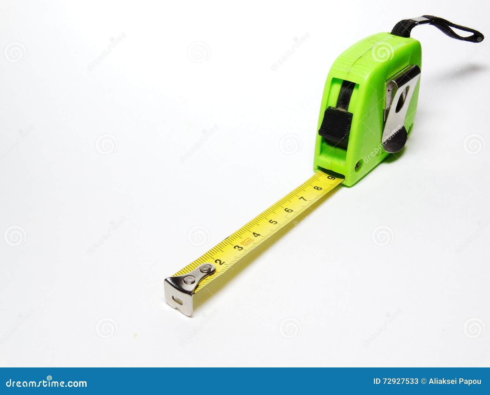 Attachez du ruban adhésif à la mesure de longueur