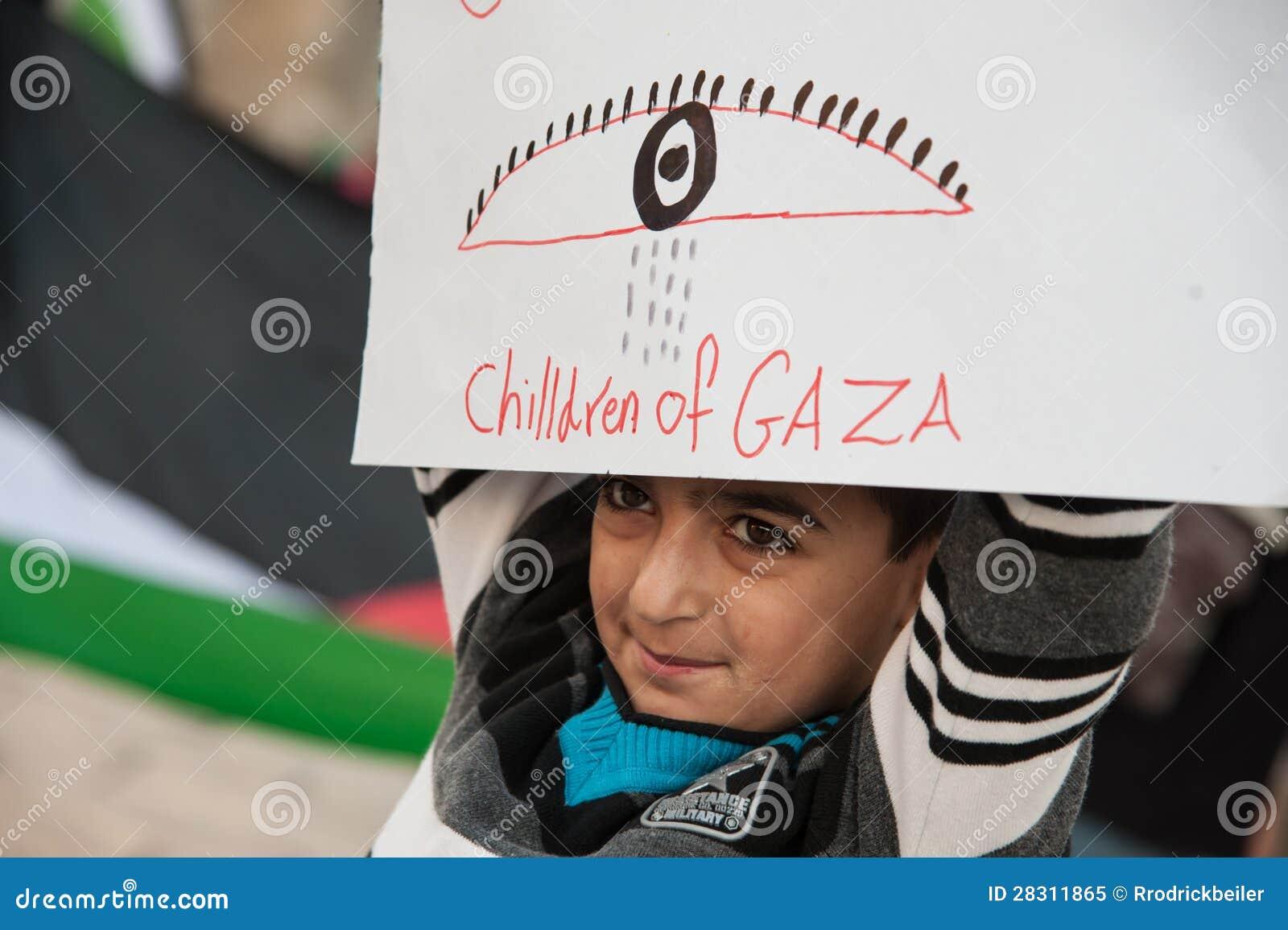 Attaques de Gaza de protestation de Palestiniens
