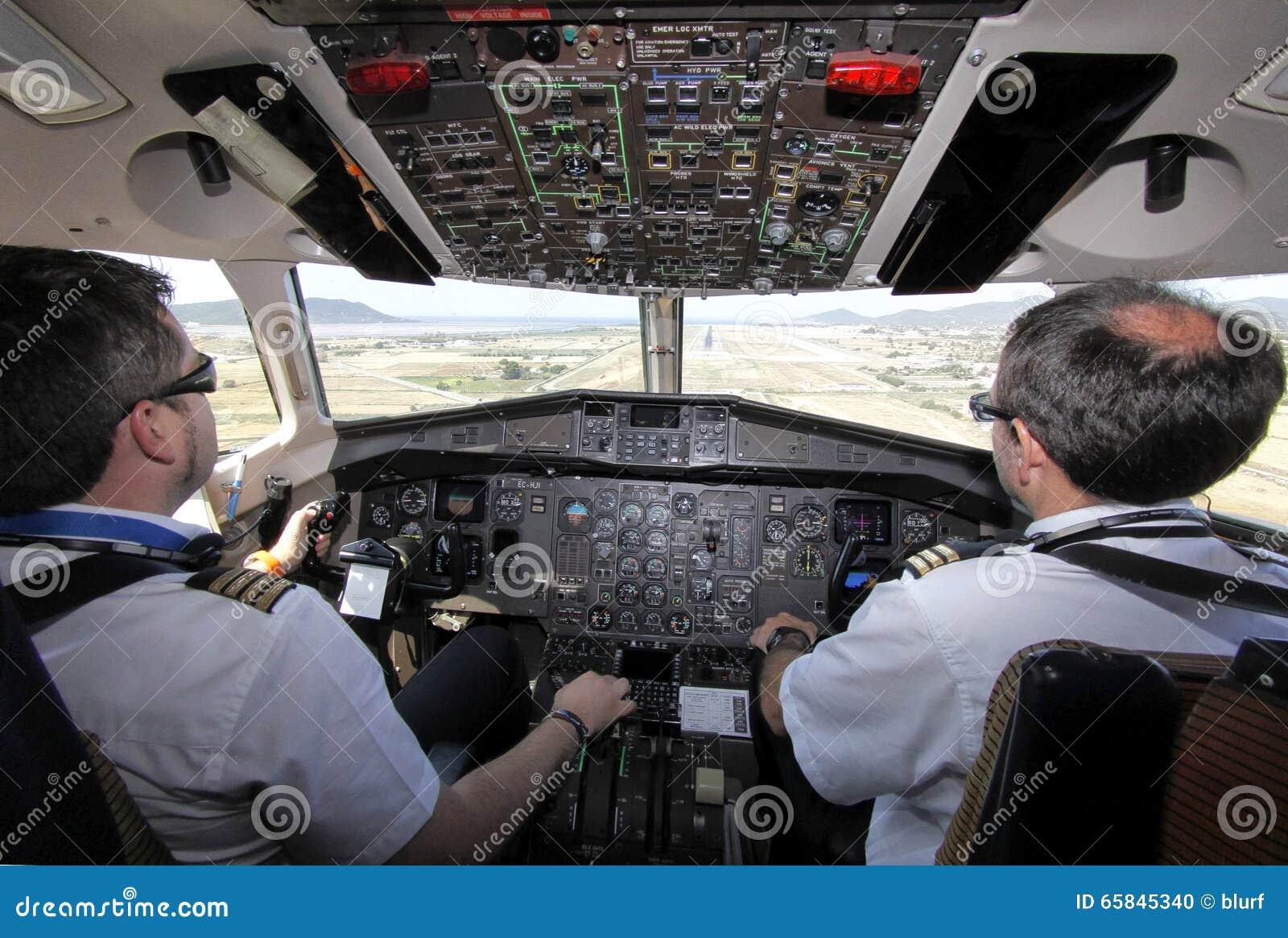 Atterraggio in volo della cabina di atr approssimativo for Planimetrie della cabina di log
