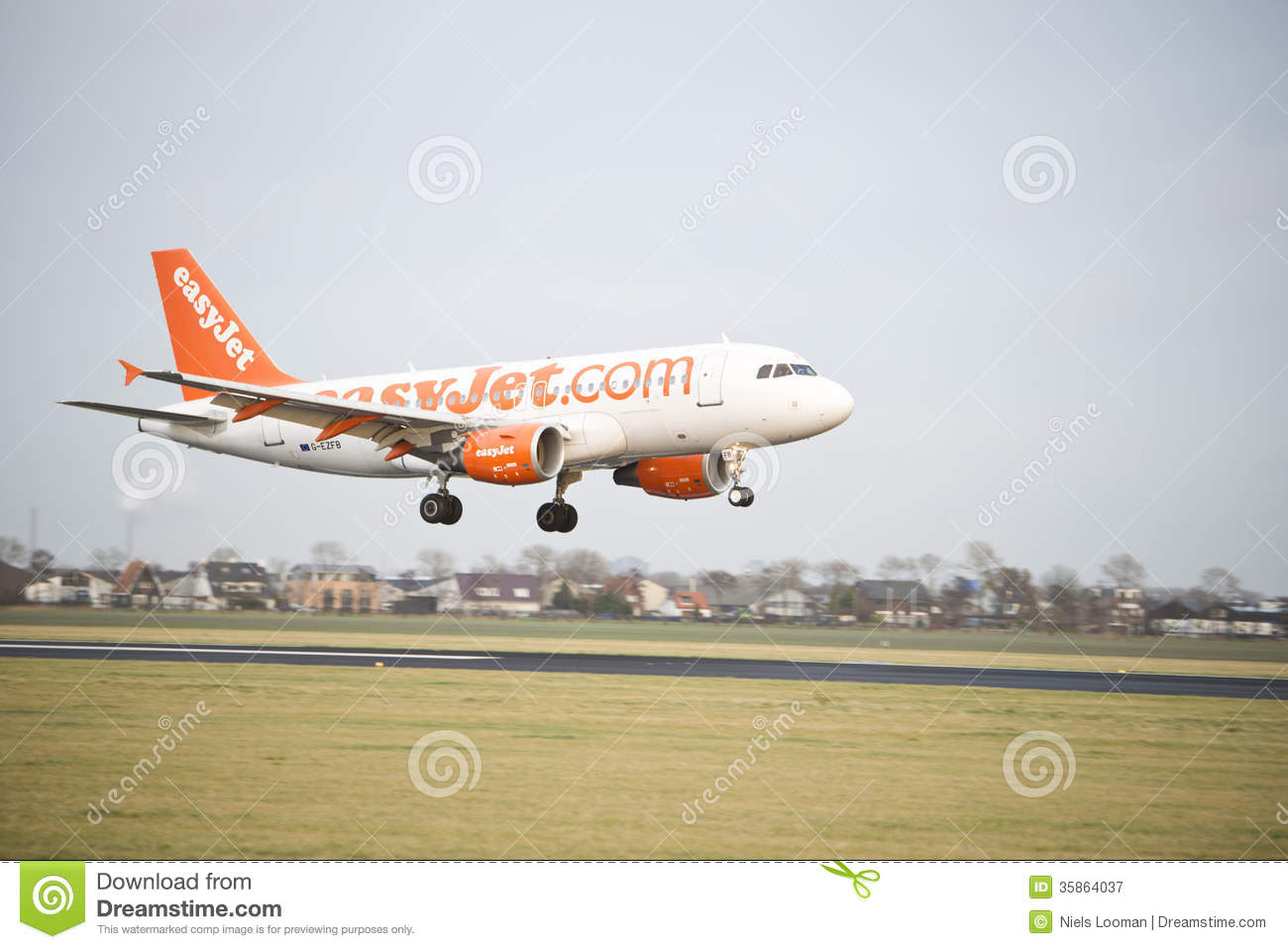 Atterrissage d Easyjet Airbus A319