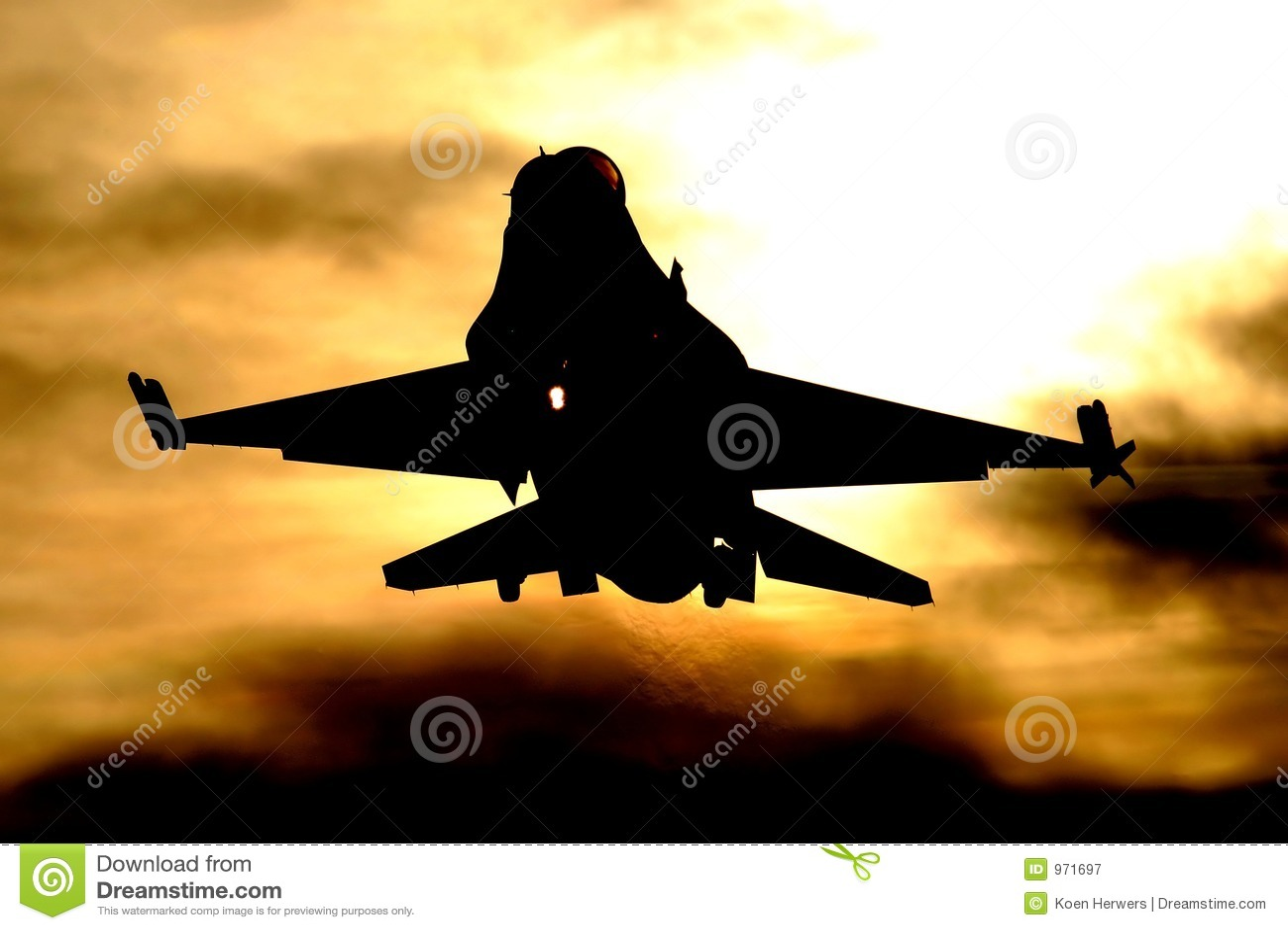 Atterrissage F-16 au coucher du soleil