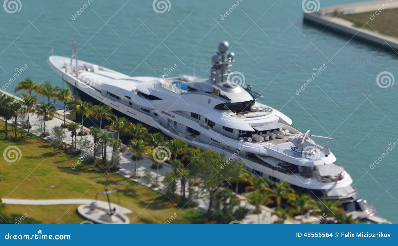 Attessa Iv At Downtown Miami 4k Footage 3840x2160