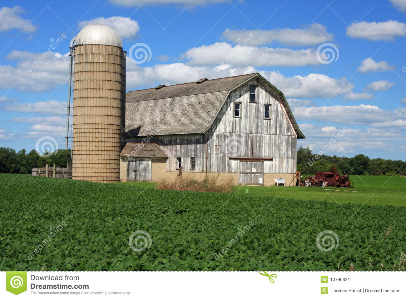 Attractive Barn And Silo In Wisconsin Stock Image - Image ...
