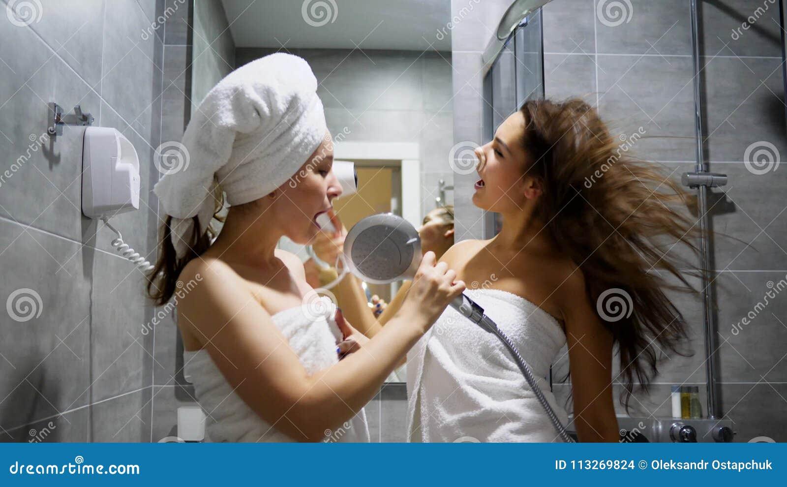 Girlfriends In The Shower