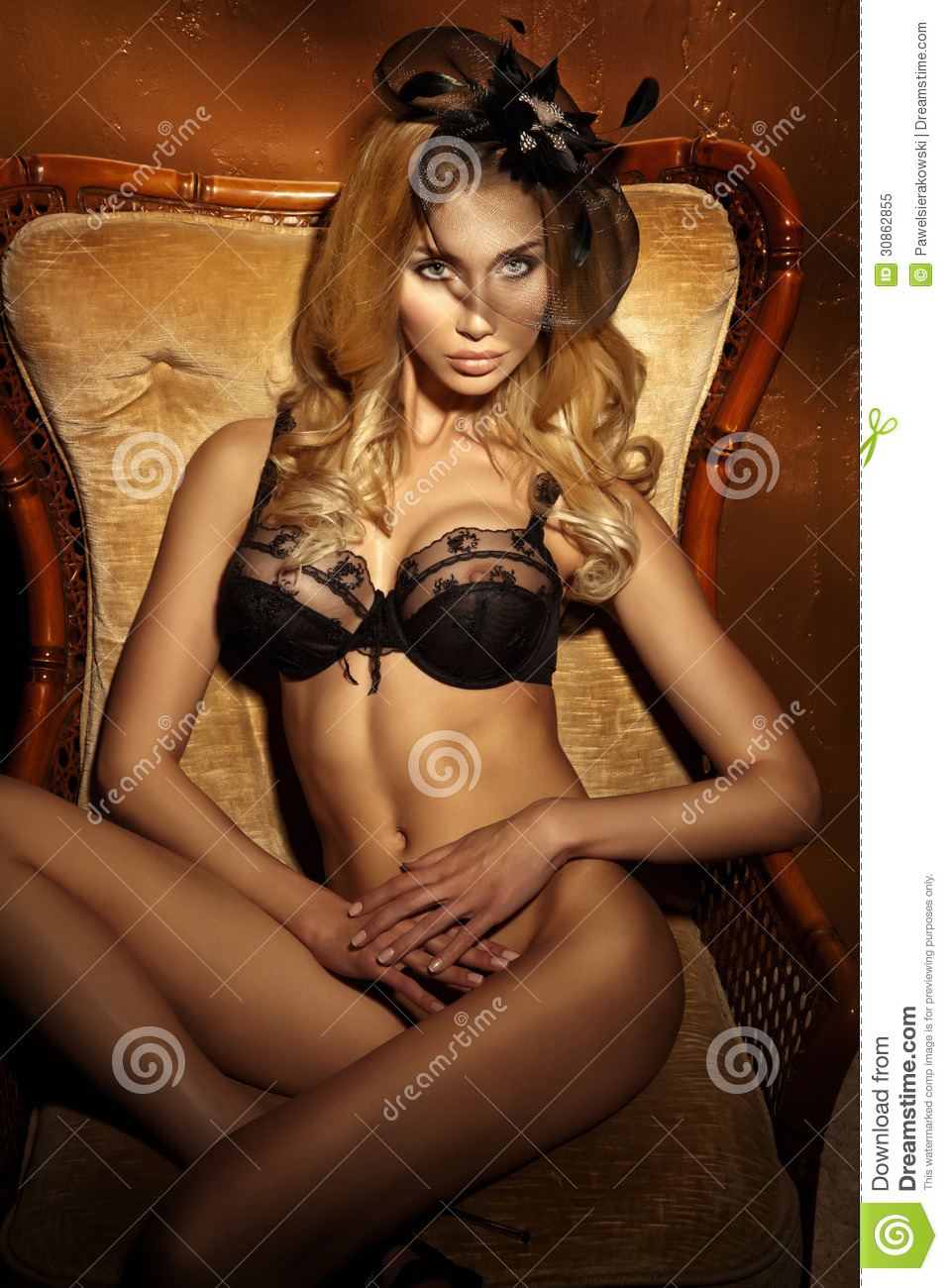 Attractive Naked Lady Sitting On Chair Looking At Camera -8013