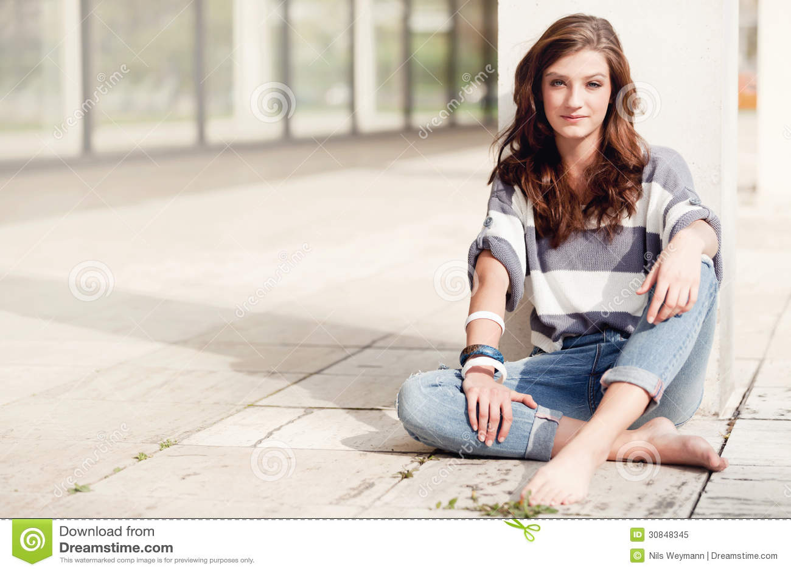 https://thumbs.dreamstime.com/z/attractive-woman-barefoot-summertime-outdoor-young-brunette-30848345.jpg