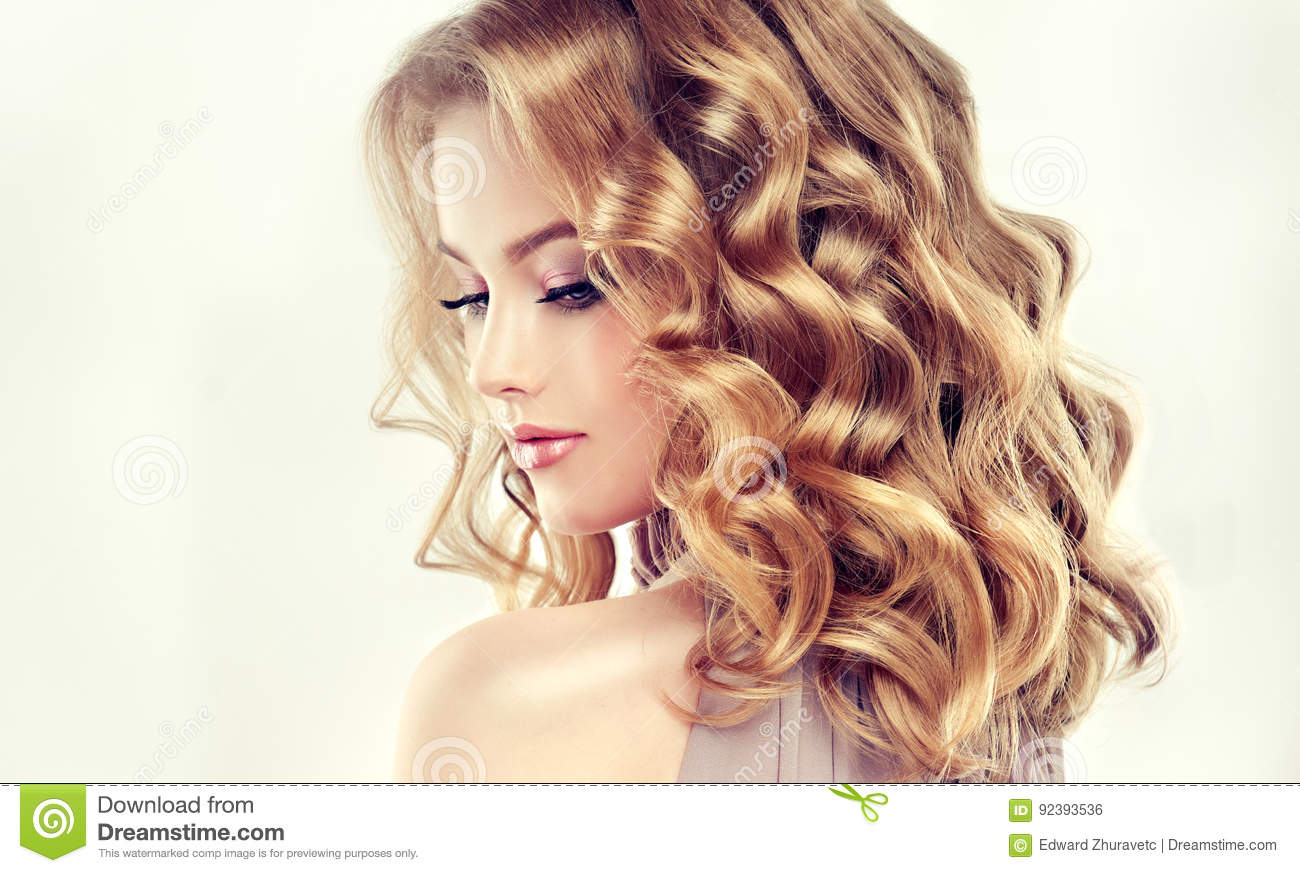 Attractive Woman Blonde With Middle Length Dense And Curly