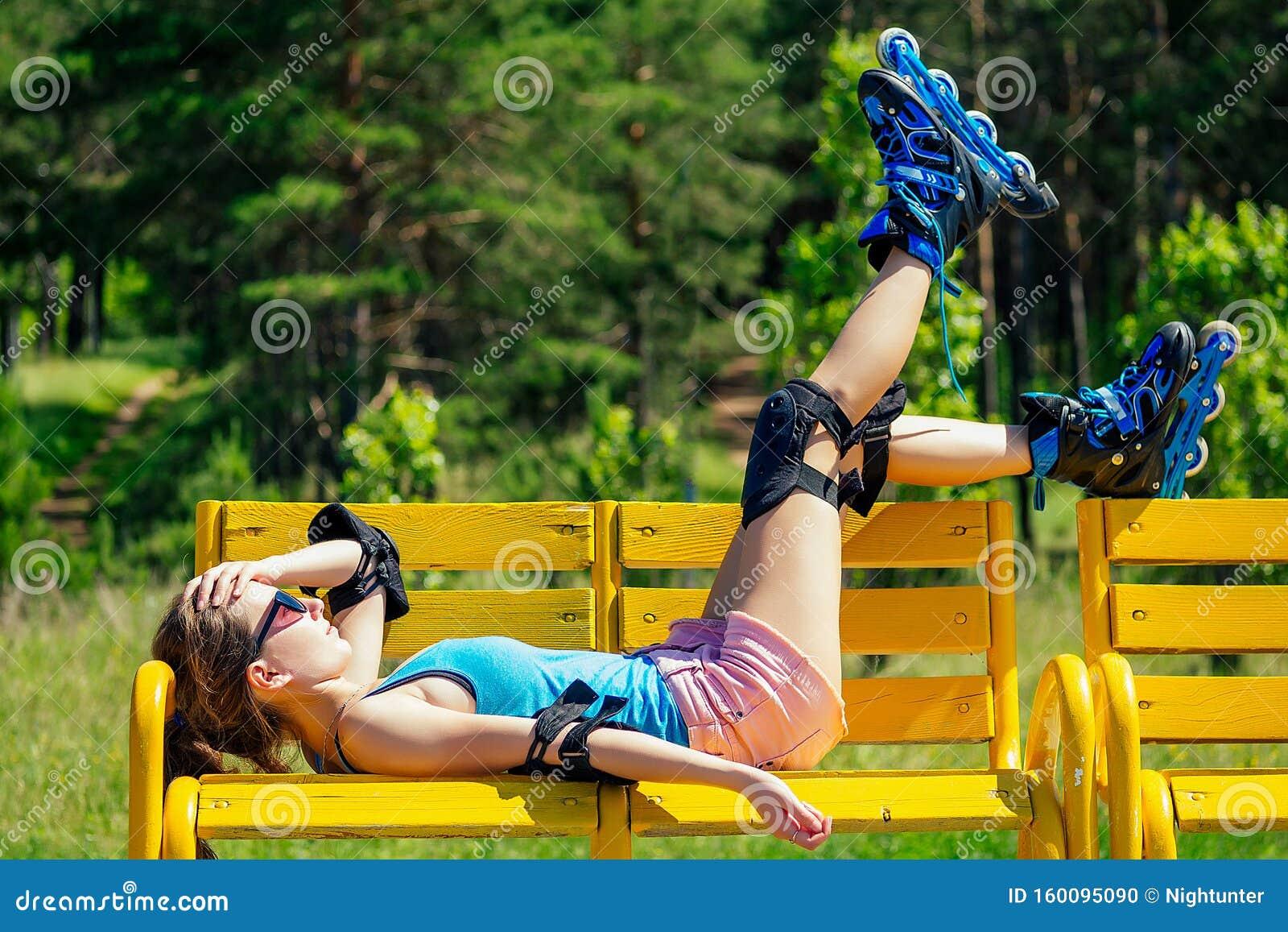 Hot Skater Girl
