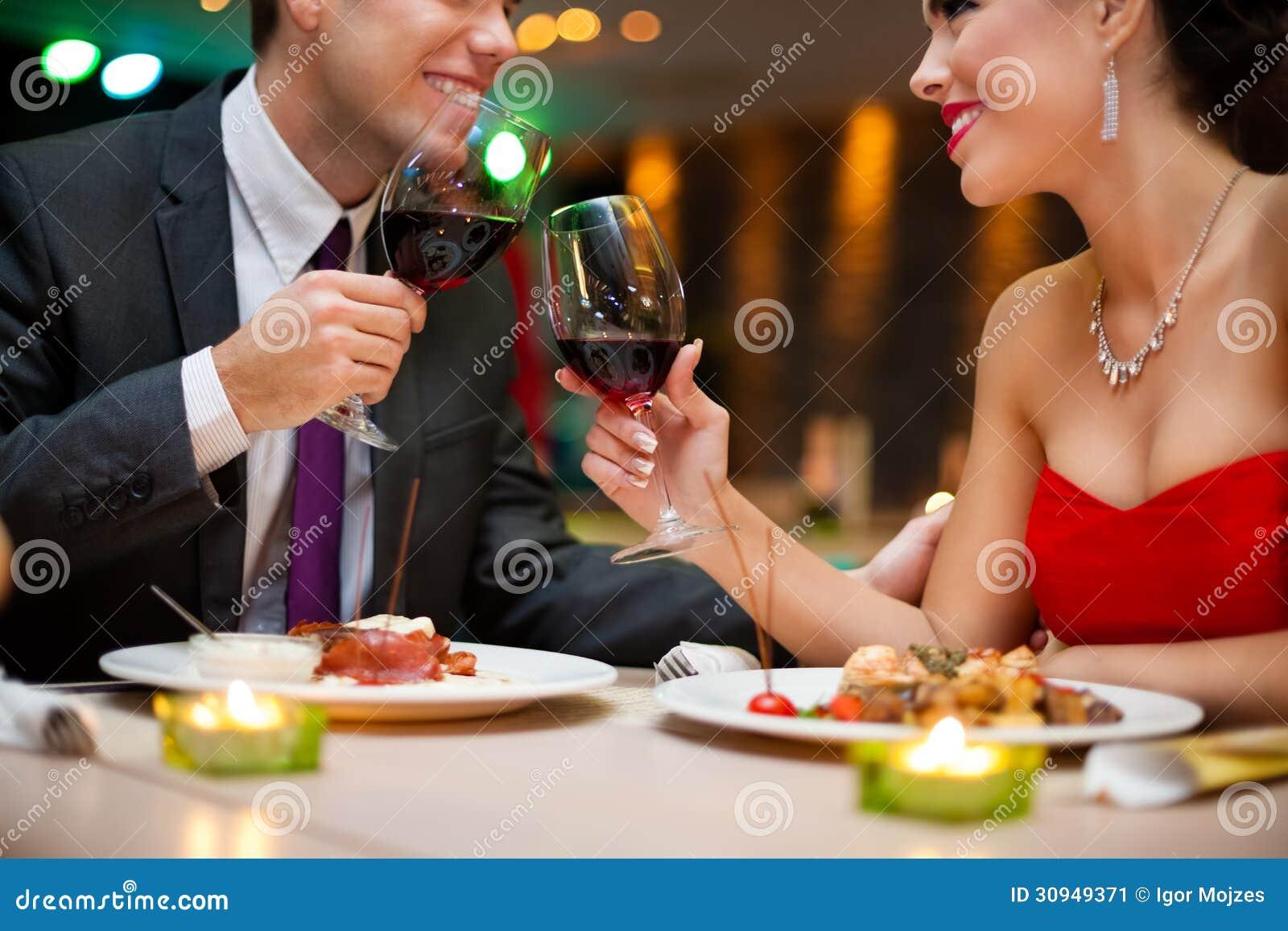 Романтический ужин перешел в секс 26 фотография
