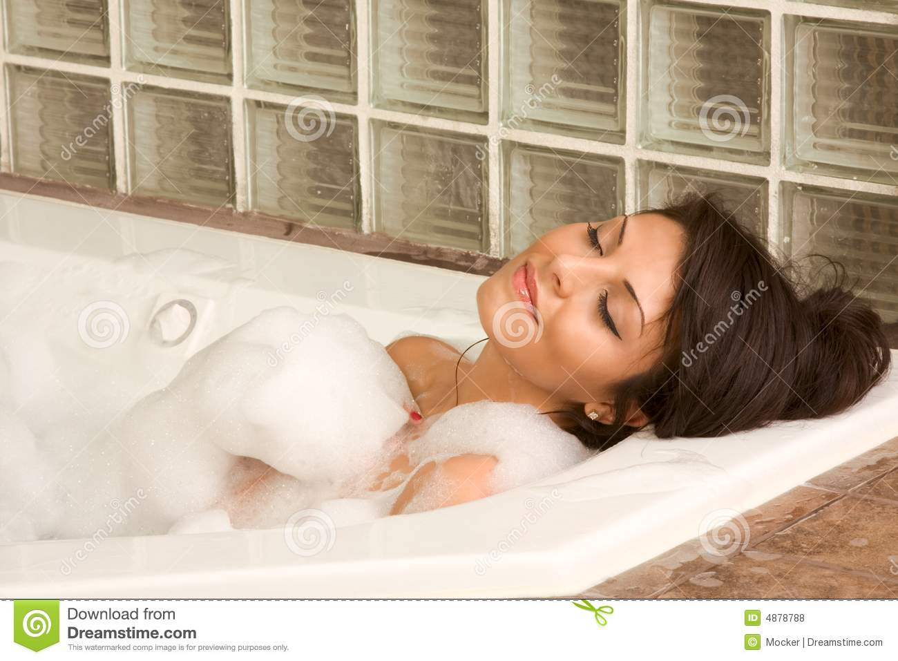 Attractive young gorges female taking bubble bath royalty for Hot bathroom