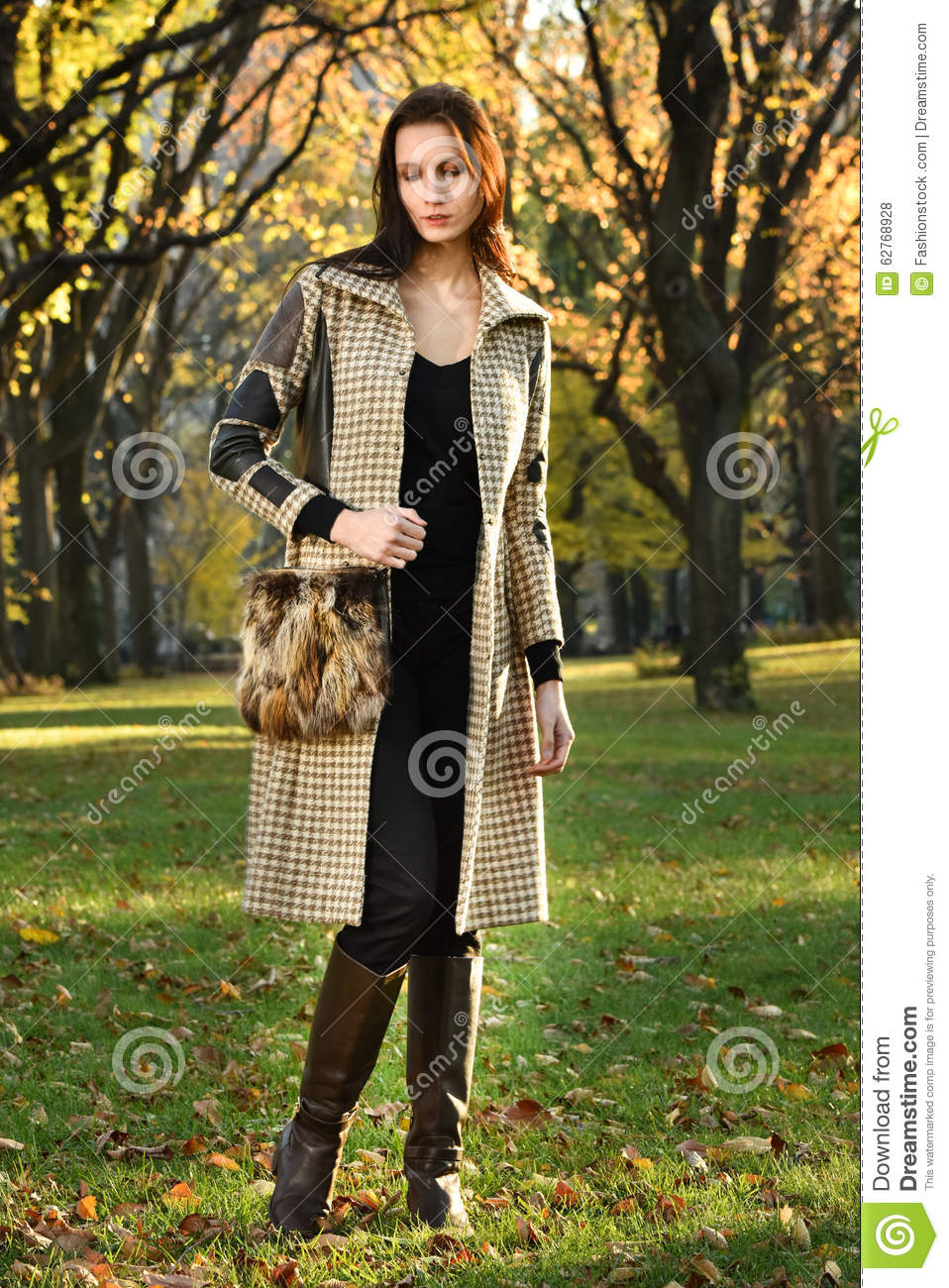 Comely Fall Fashion Photoshoot