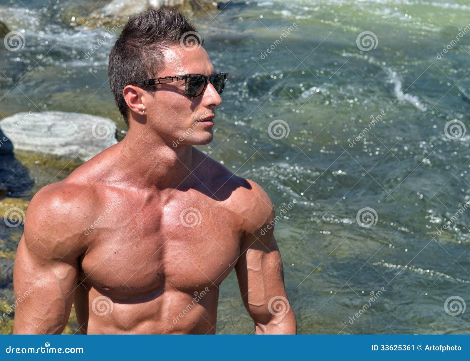 attractive nude men and women
