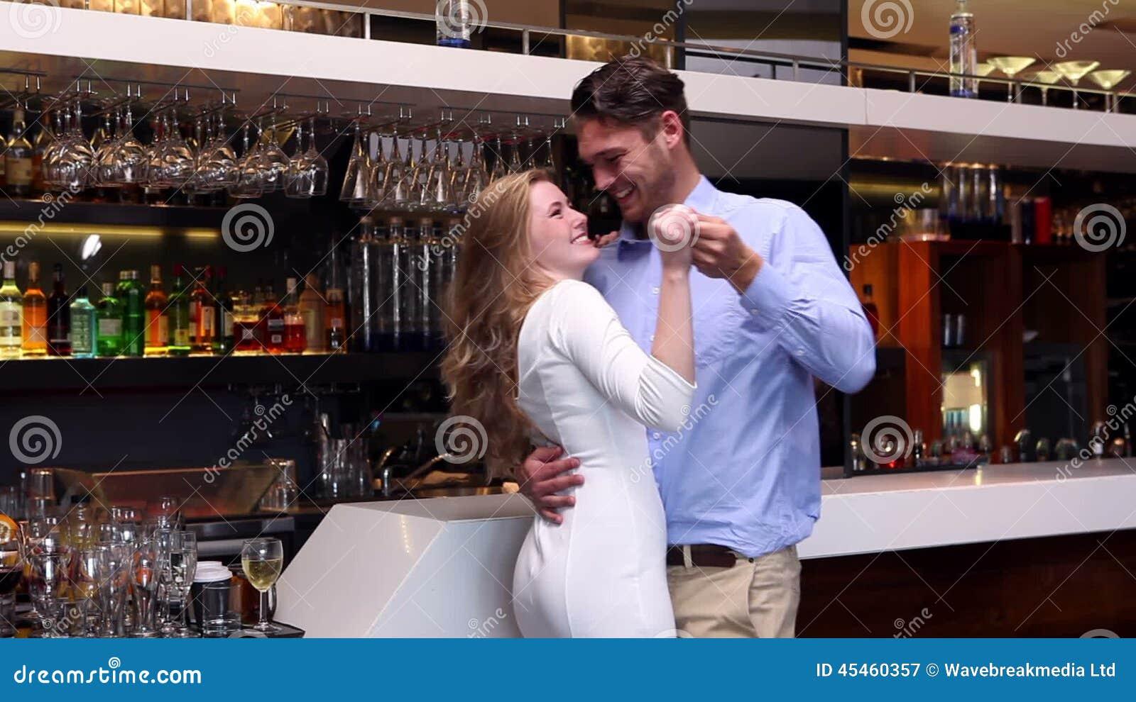 Dating kvinnlig bartender