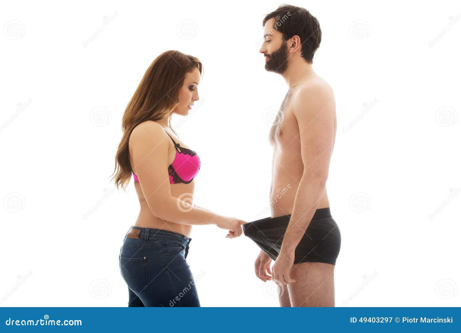 Download Attraktive Frau, Die Den Schlüpfer Des Mannes Untersucht Stockbild - Bild von person, frau: 49403297