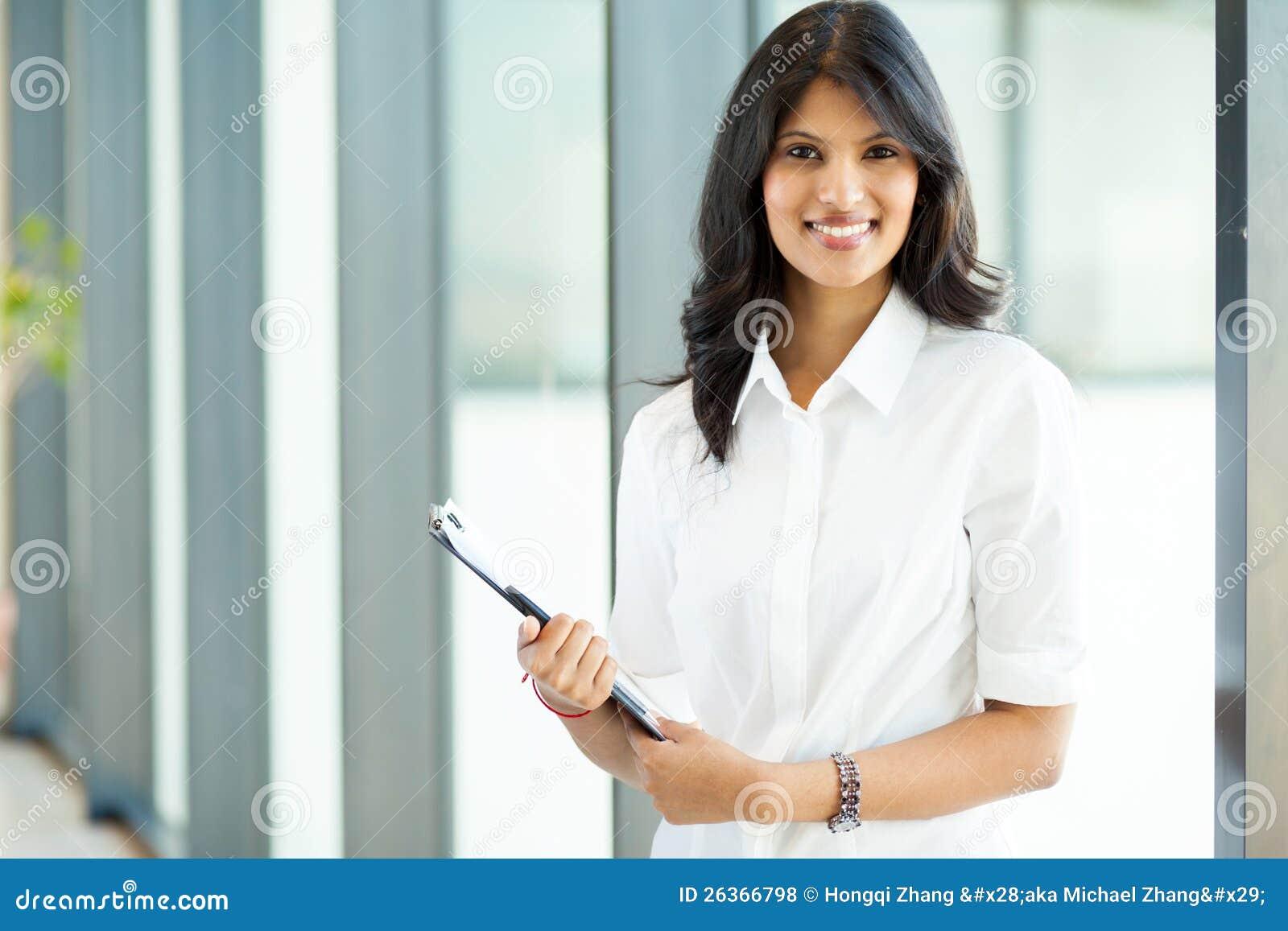 Attraktive indische Geschäftsfrau