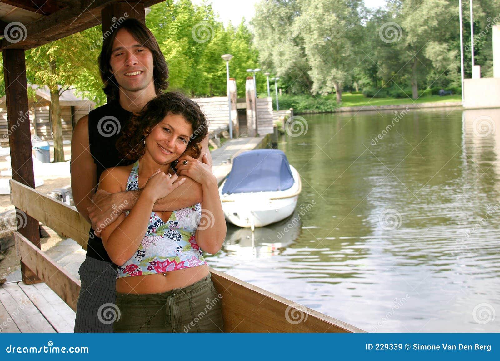 Attraktive junge Paare