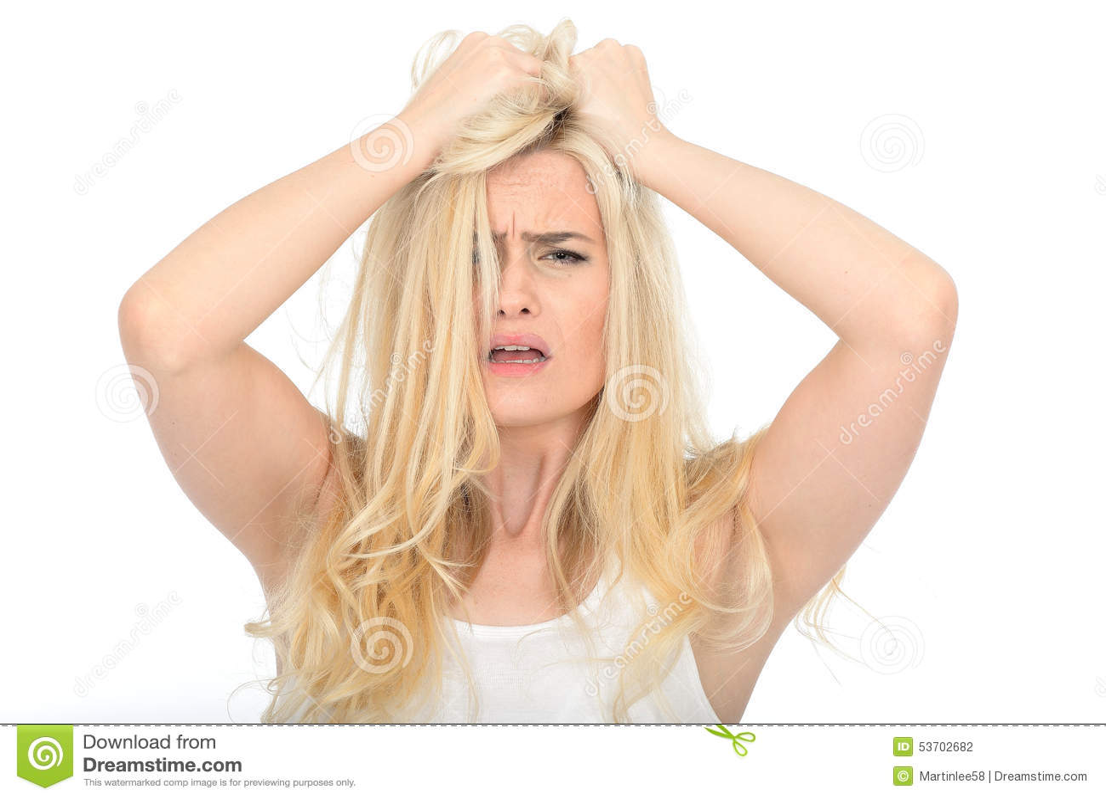 Attraktives besorgtes Umkippen-junge Frau, die betontes unglückliches und frustriert schaut