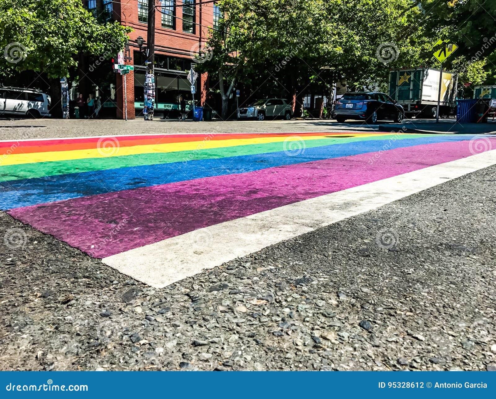Attraversamento della bandiera di gay pride
