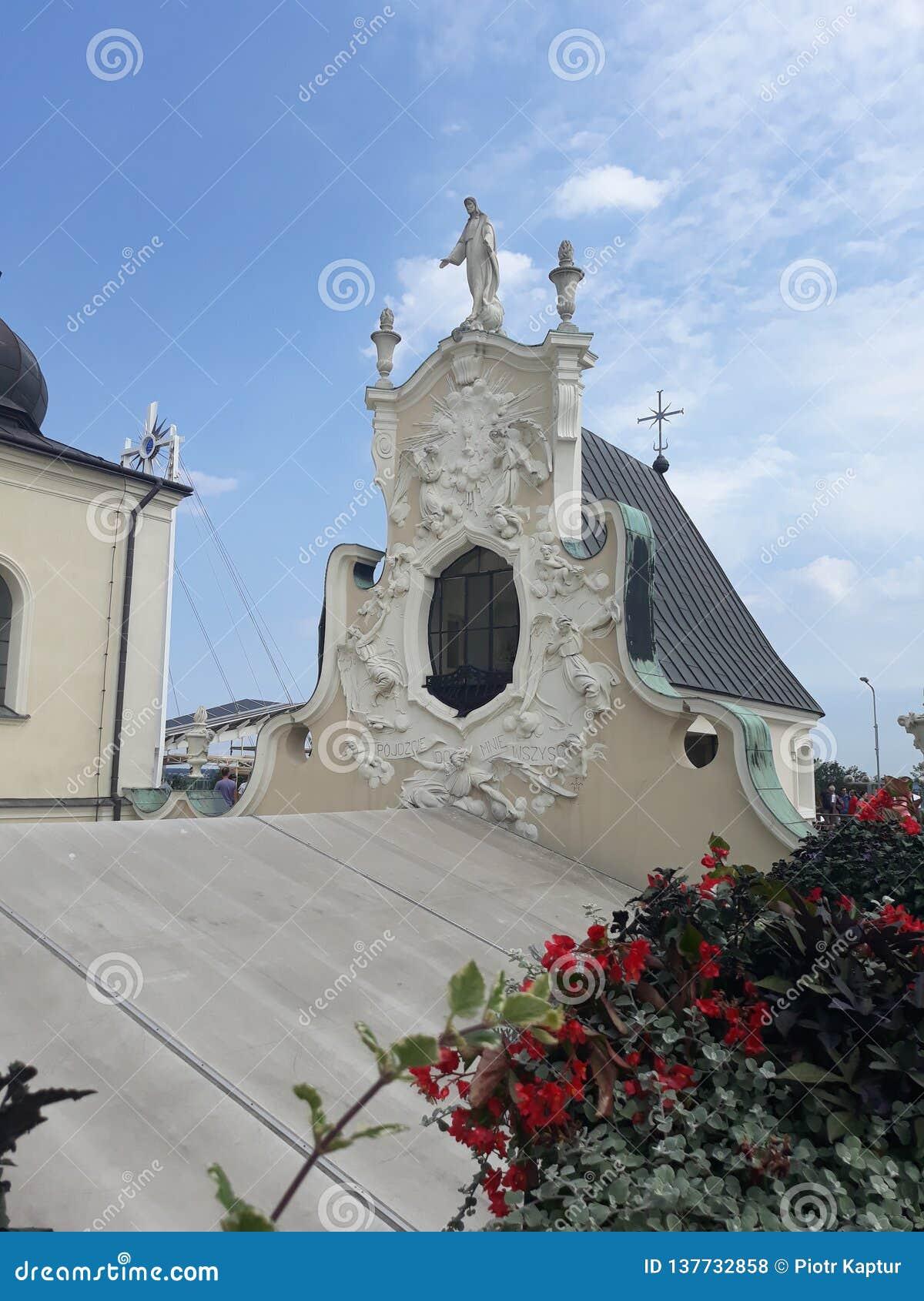 Attraversando through la Polonia Sculture insolite degli elementi della costruzione del monastero del Ra del ³ di Jasna GÃ in CzÄ