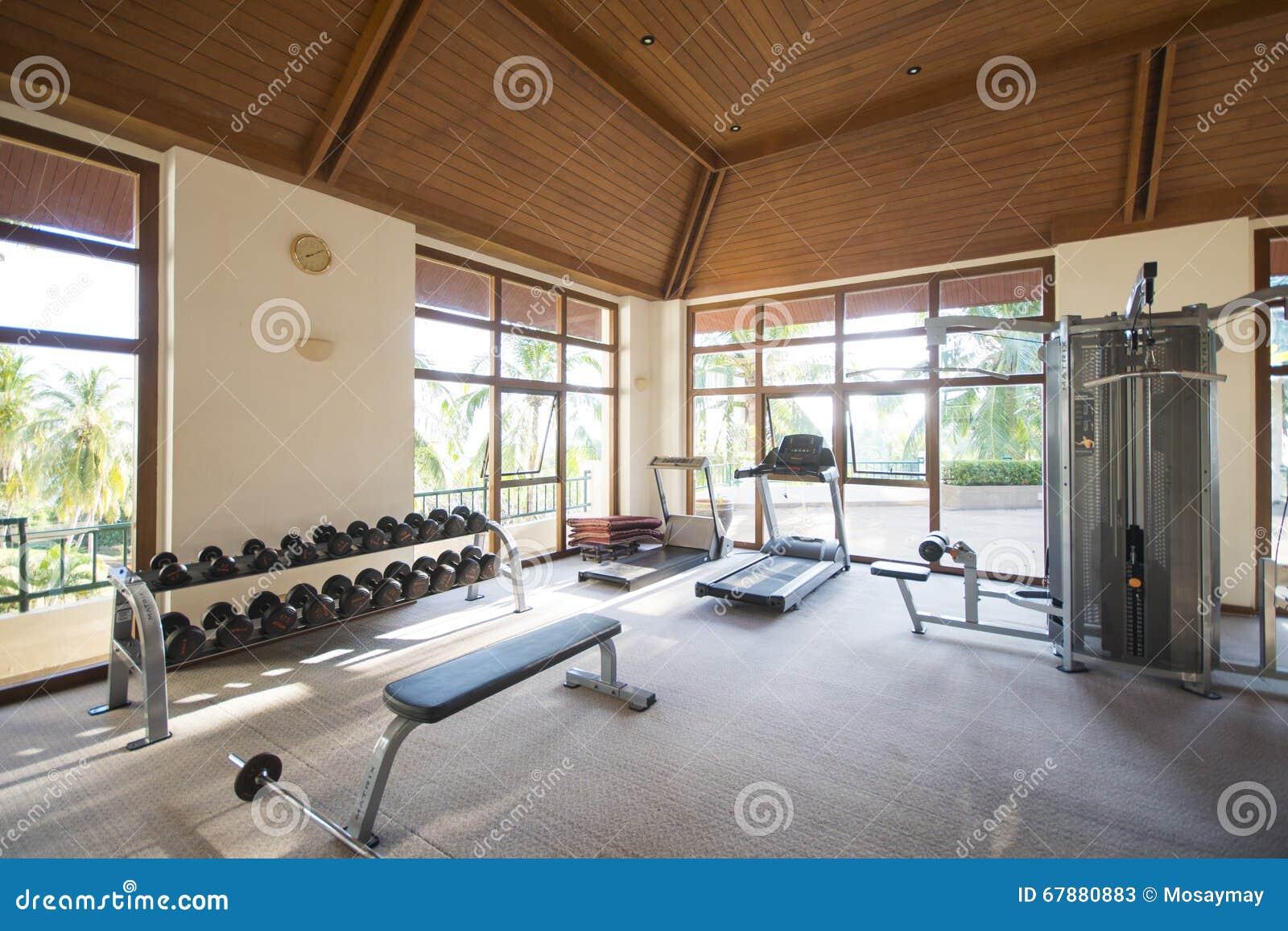 Attrezzatura di forma fisica nel club di sport
