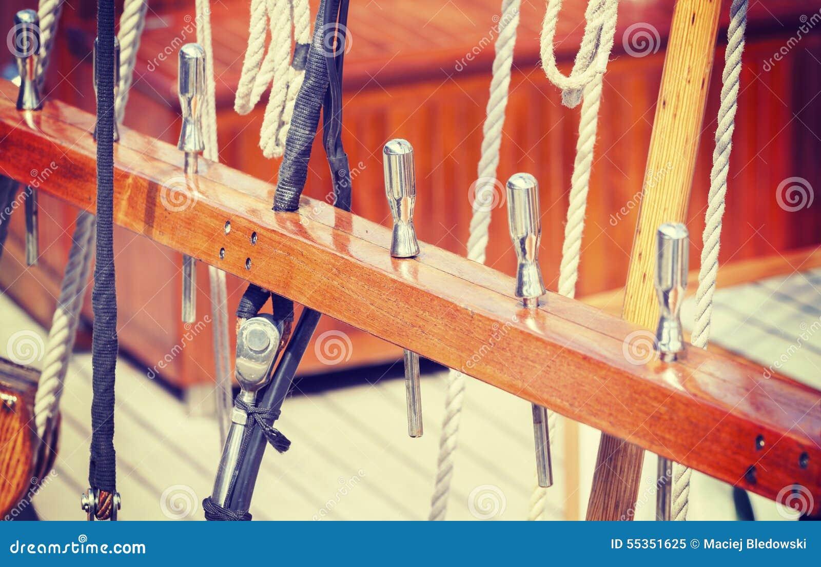 Attrezzatura di legno della nave di navigazione di retro stile