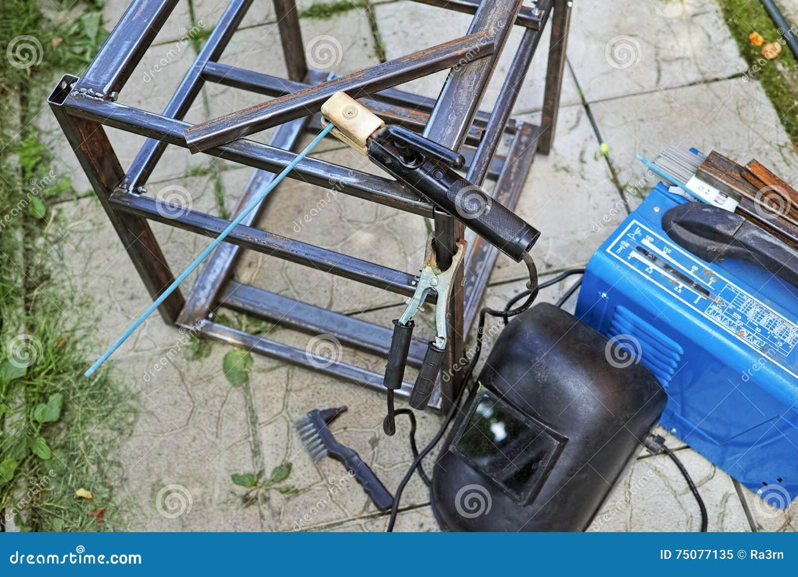 Attrezzatura Per Saldatura Elettrica Immagine Stock Immagine Di Lega Vita 75077135