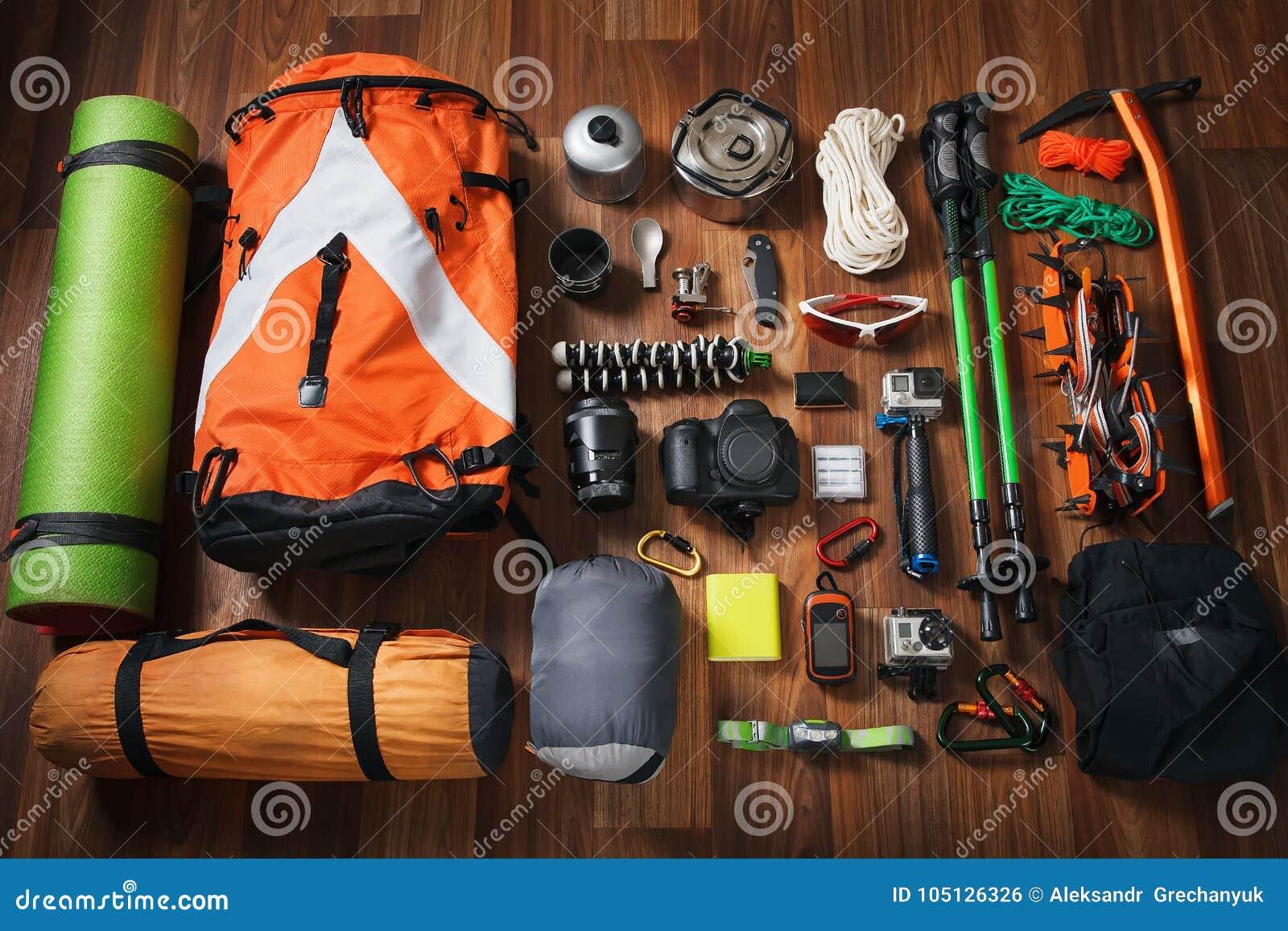 newest 22cd0 9ef15 Attrezzatura Rampicante: Rope, Scarpe Di Trekking, Ramponi ...
