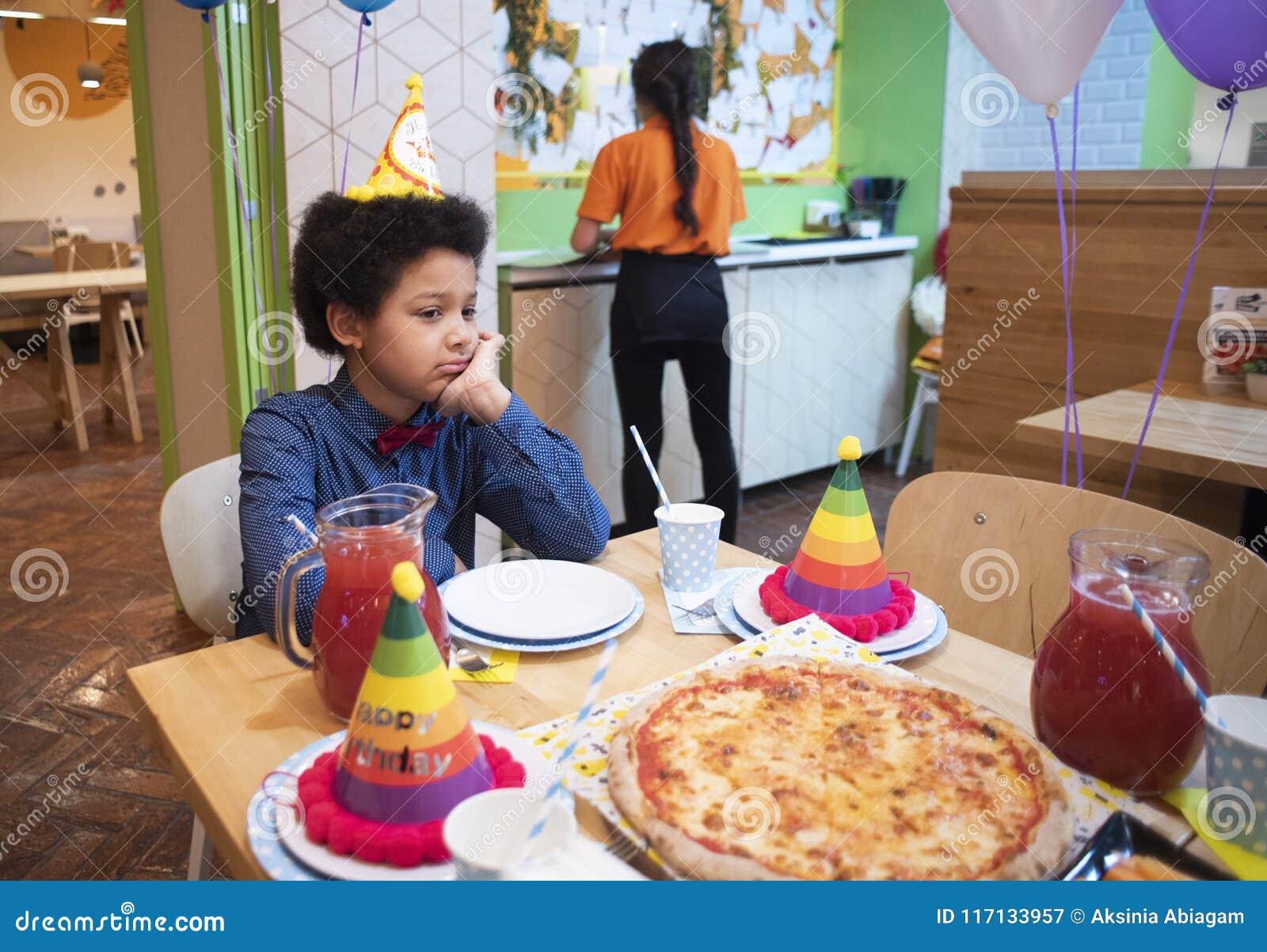 Attributen van kinderen` s vakantie De partij van de kinderen` s verjaardag