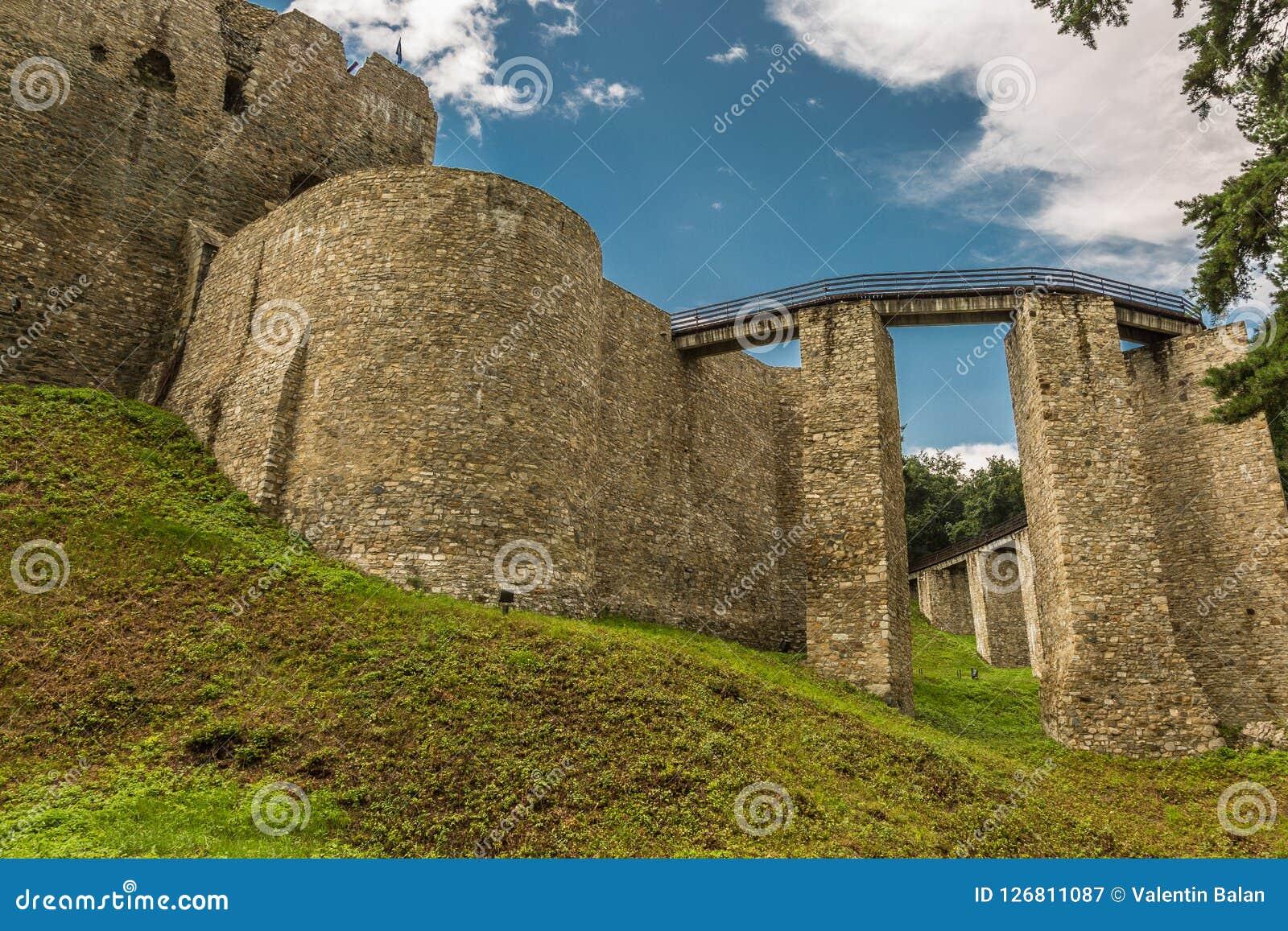 Außenwände von Neamt-Festung