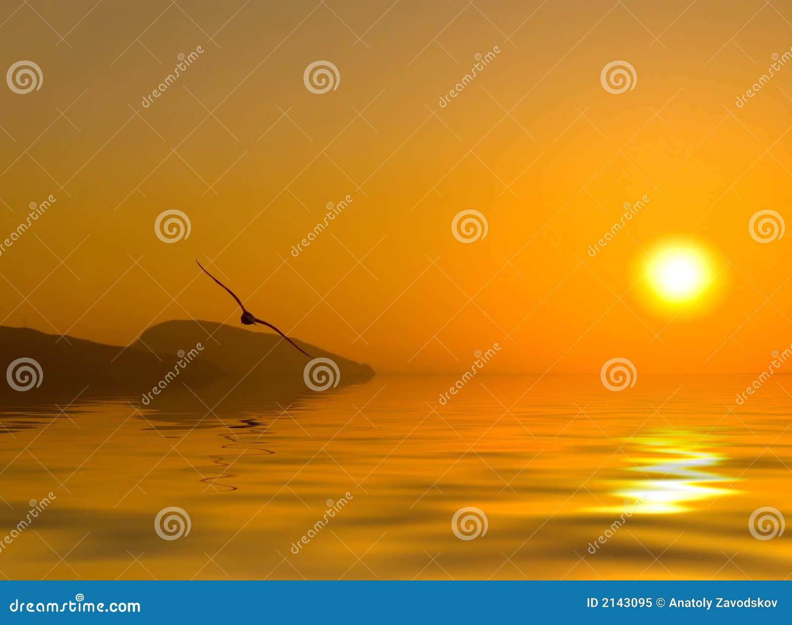 Aube au-dessus de la mer