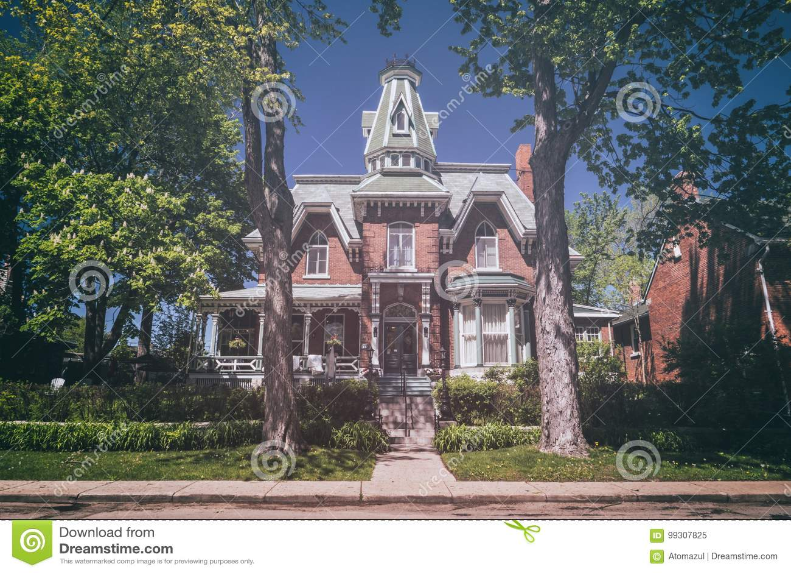 maison hantee kingston