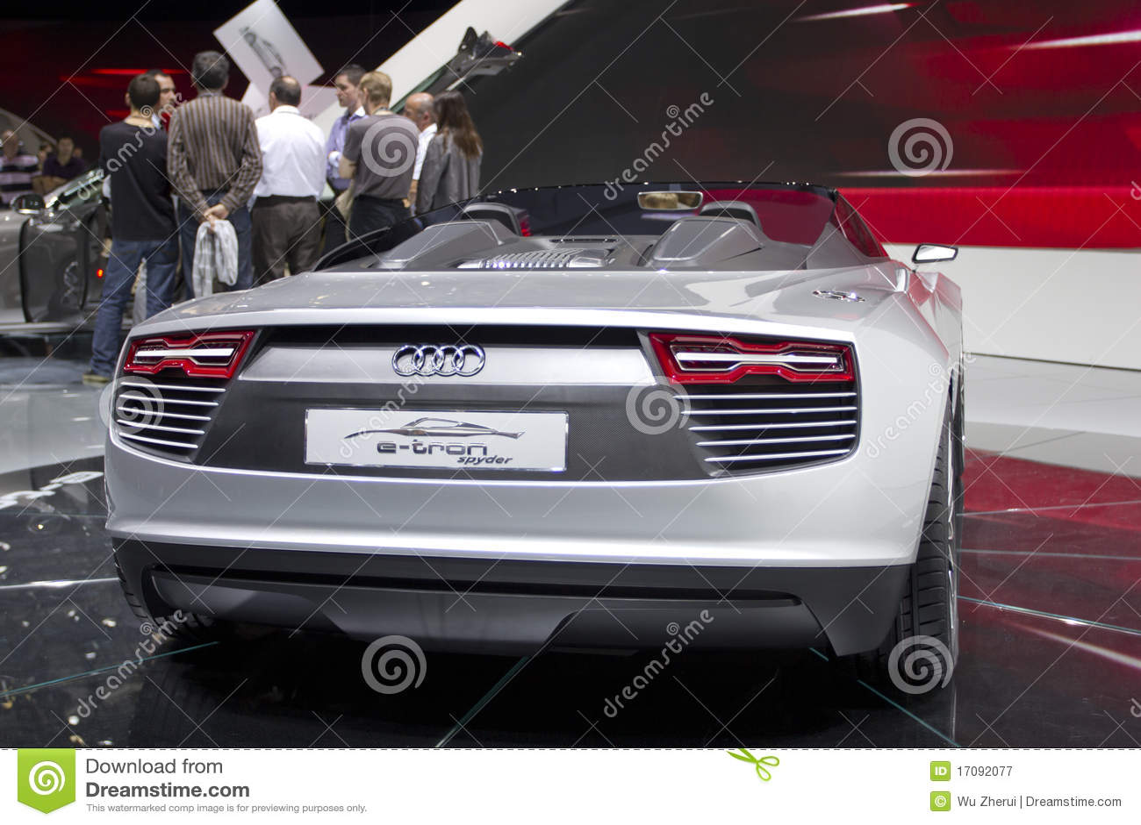 Audi e-tron Spyder in Paris-Autoausstellung 2010