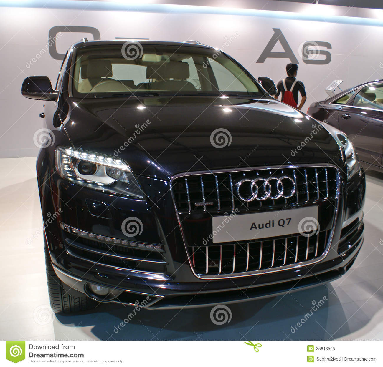 An Audi Q7 Luxury SUV On Display In Autocar Performance