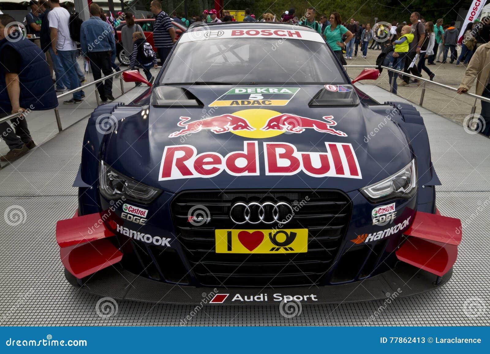 Audi-Rennwagen an der Ausstellung
