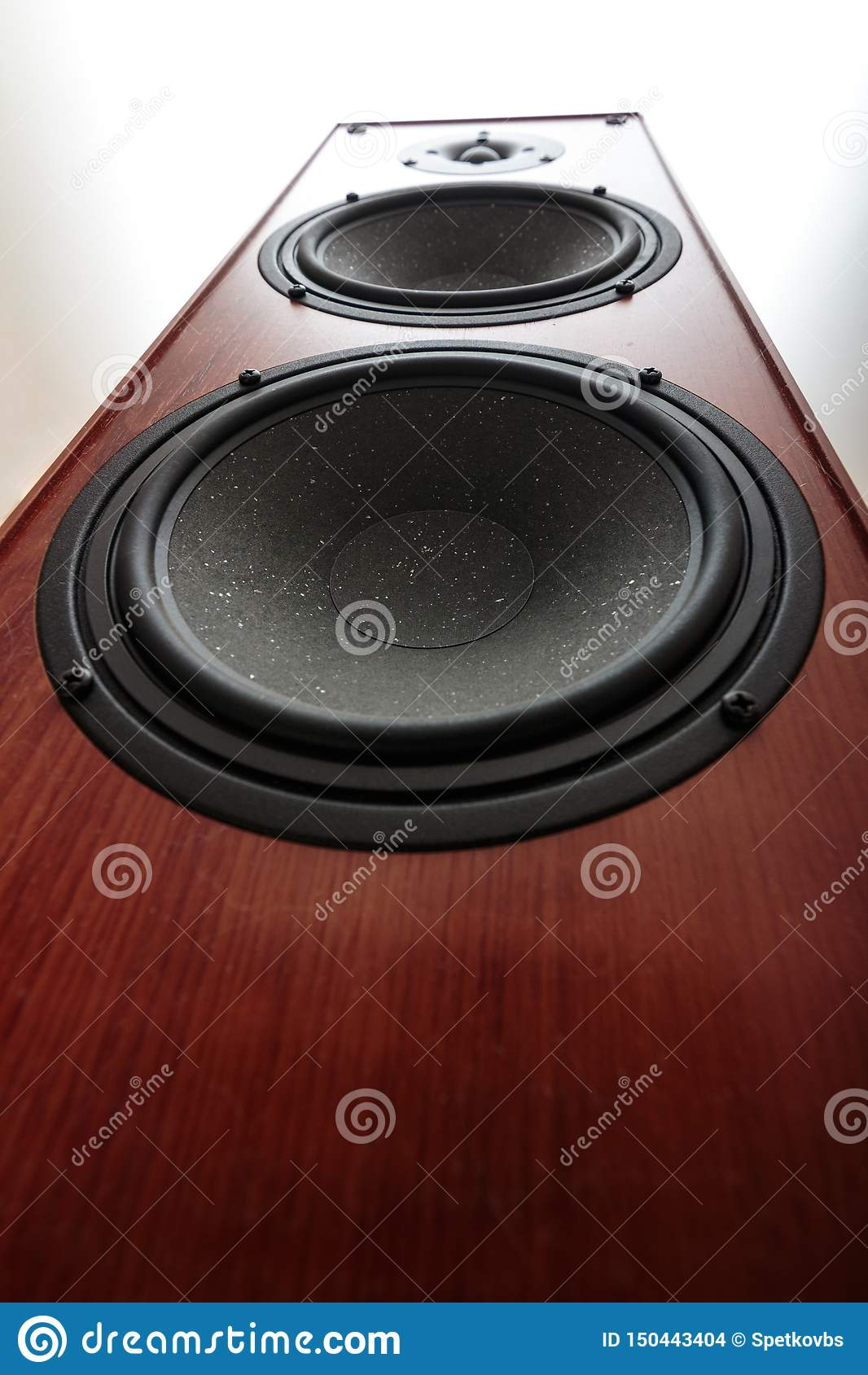 Audio bass speaker