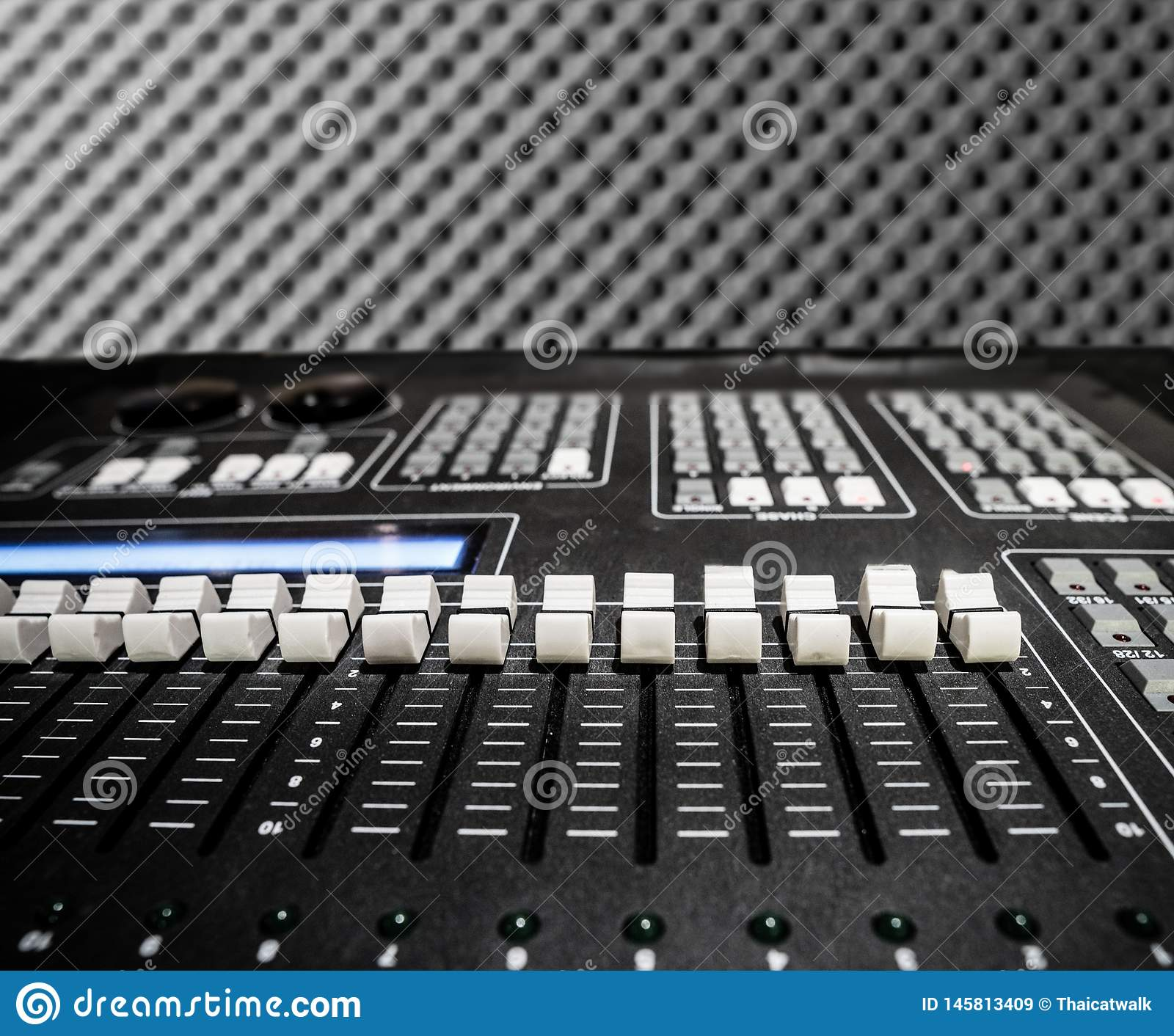 Audio Controller equipment with many bar level