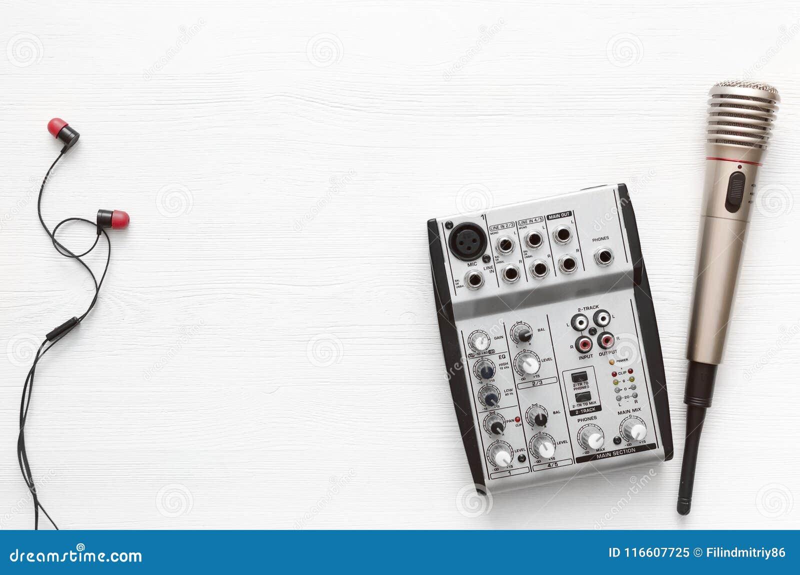 Karaoke Singer Microphone Sound Recording Studio Background Song Wiring Lyrics Copy Space