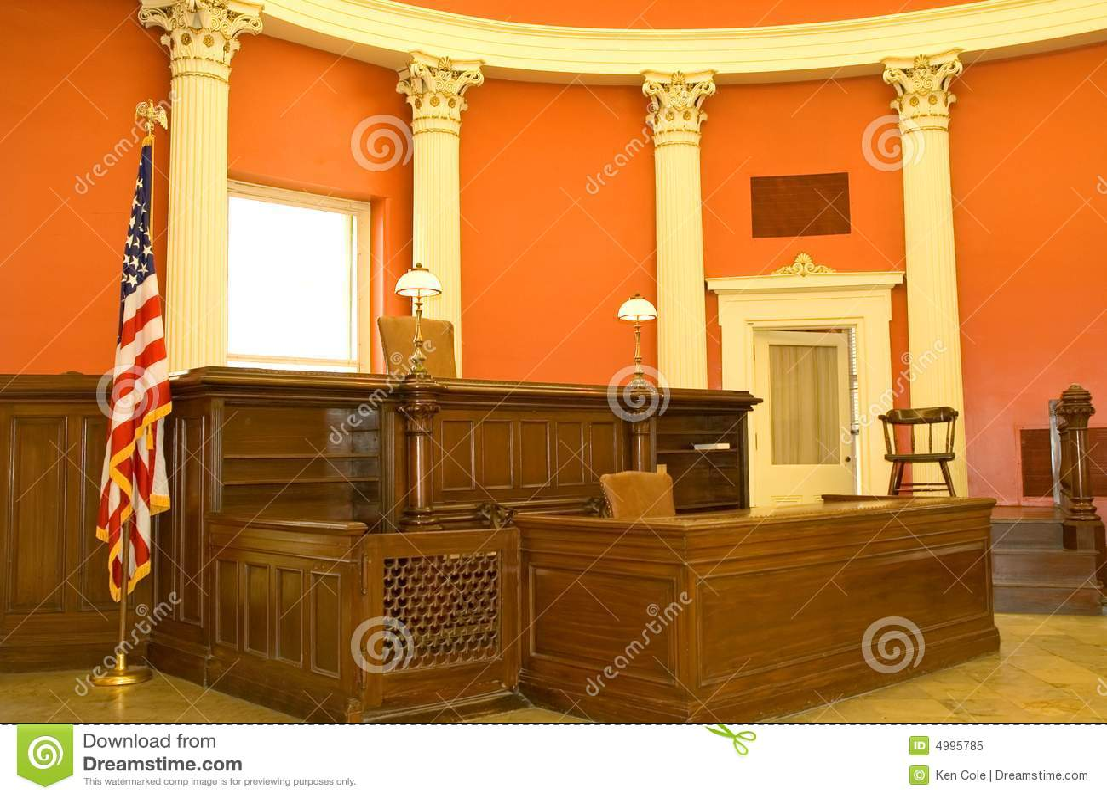Auditoire de tribunal victorien