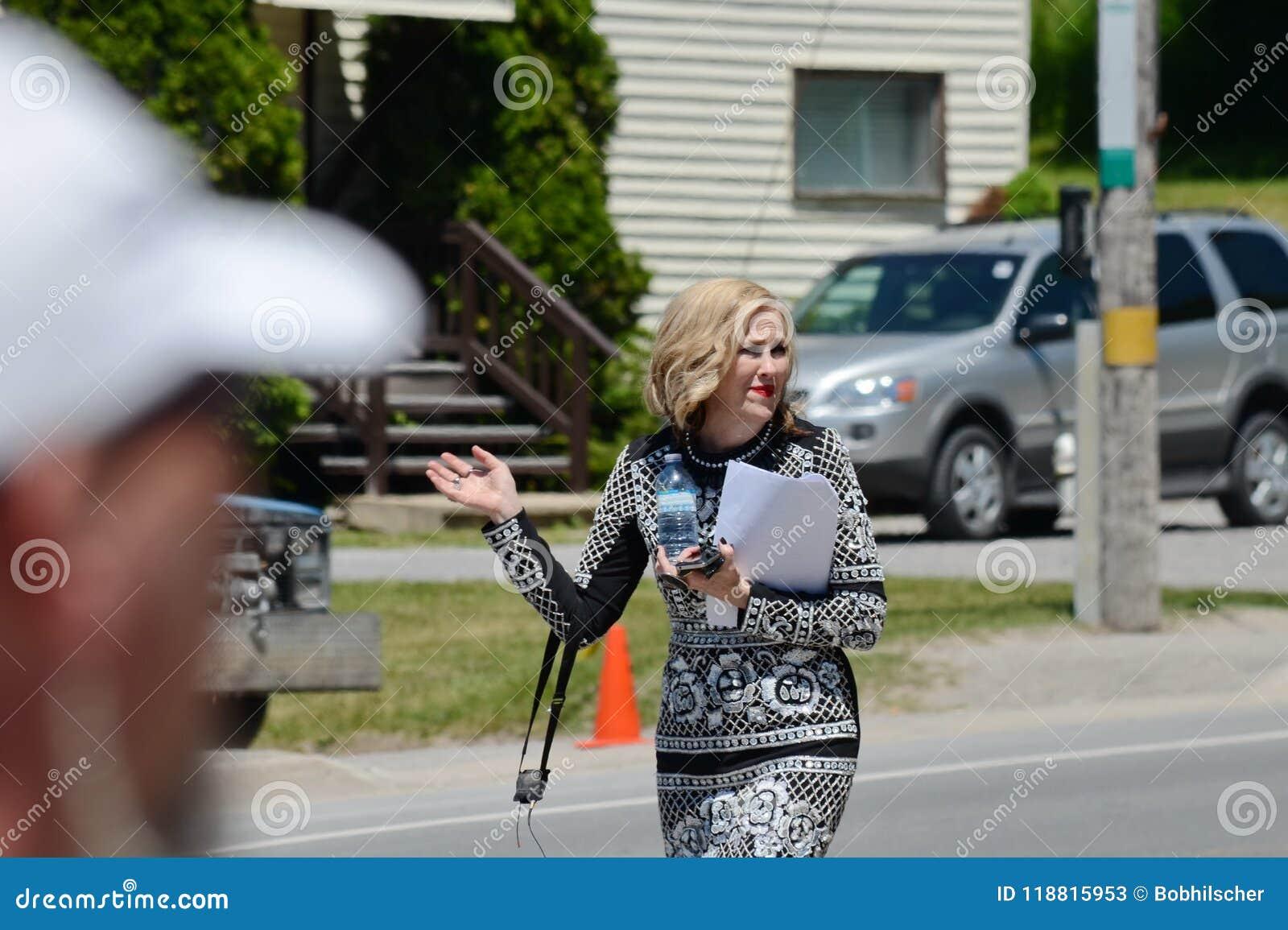 Auf der Standort ` Schitt-` s Nebenfluss ` Filmwiederholung, die Kanadisch-amerikanische Schauspielerin, ` Hara Catherine O kennz