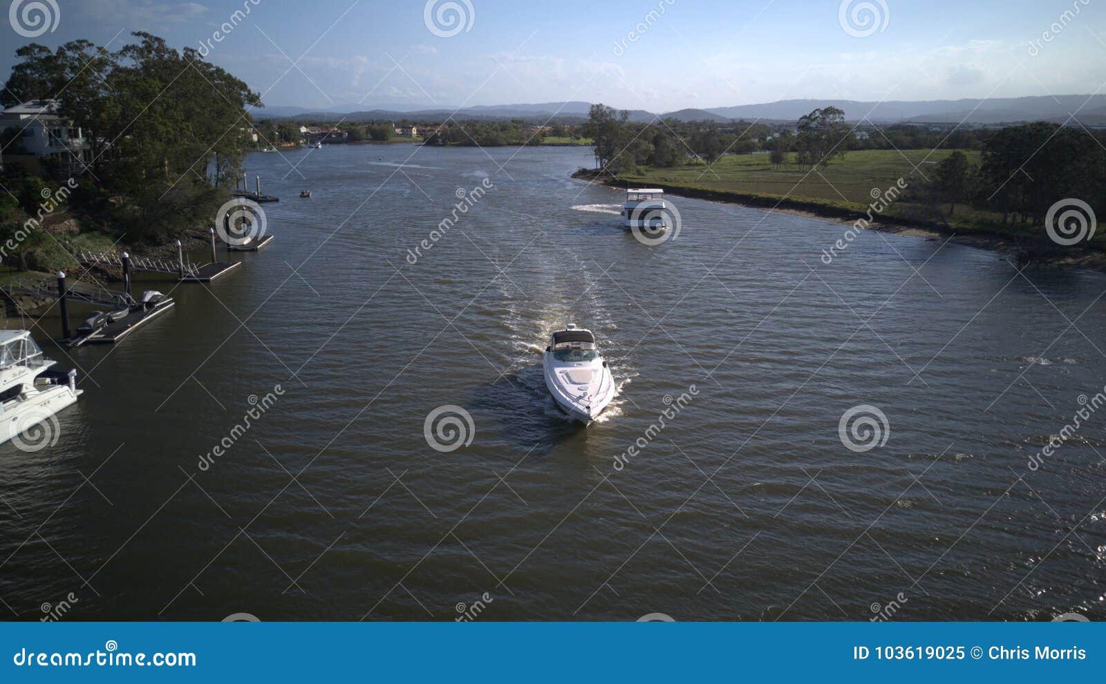 Auf Schiff hoffen Luxusyachten und Boote Insel coomera Fluss