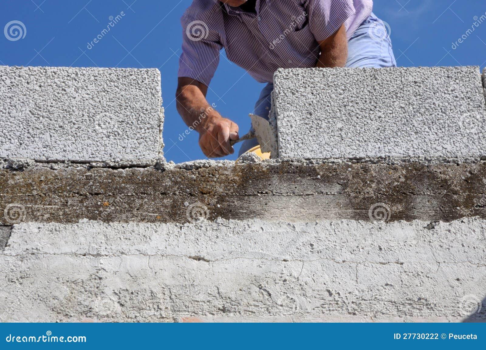 Aufbaumaurer-Arbeitskraftmaurer