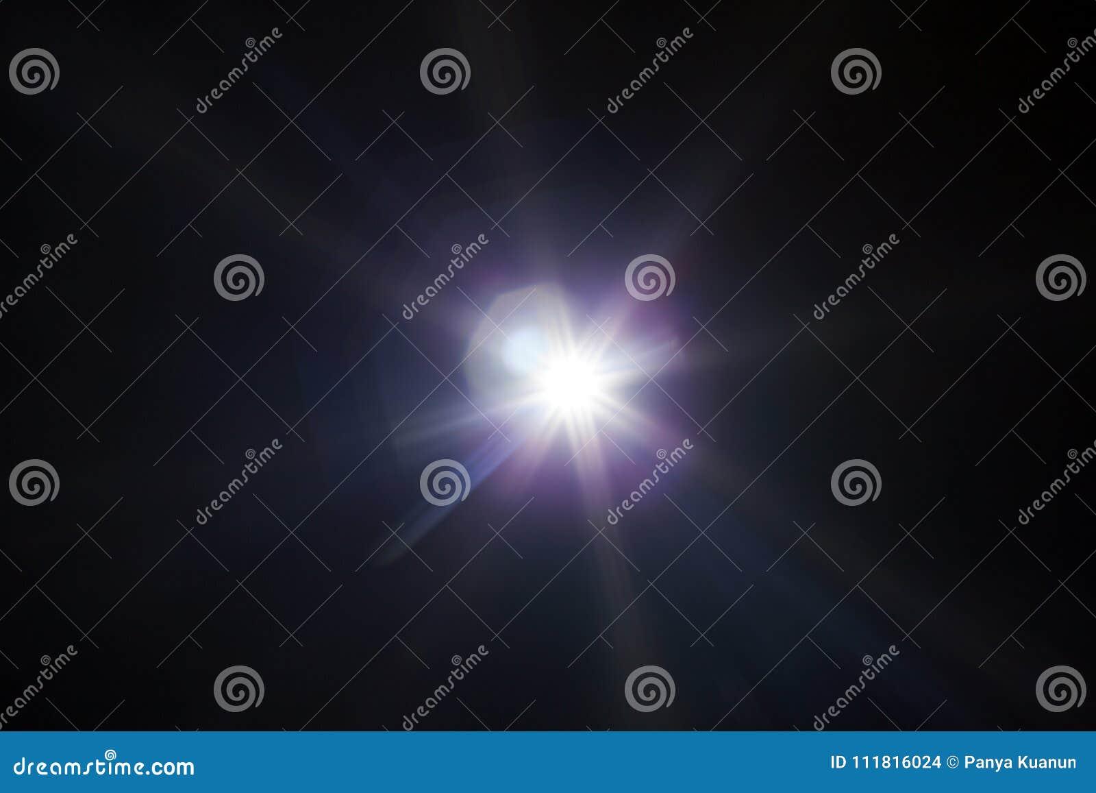 Aufflackernspezialeffekt des weißen Lichtes im dunklen Schwarzen
