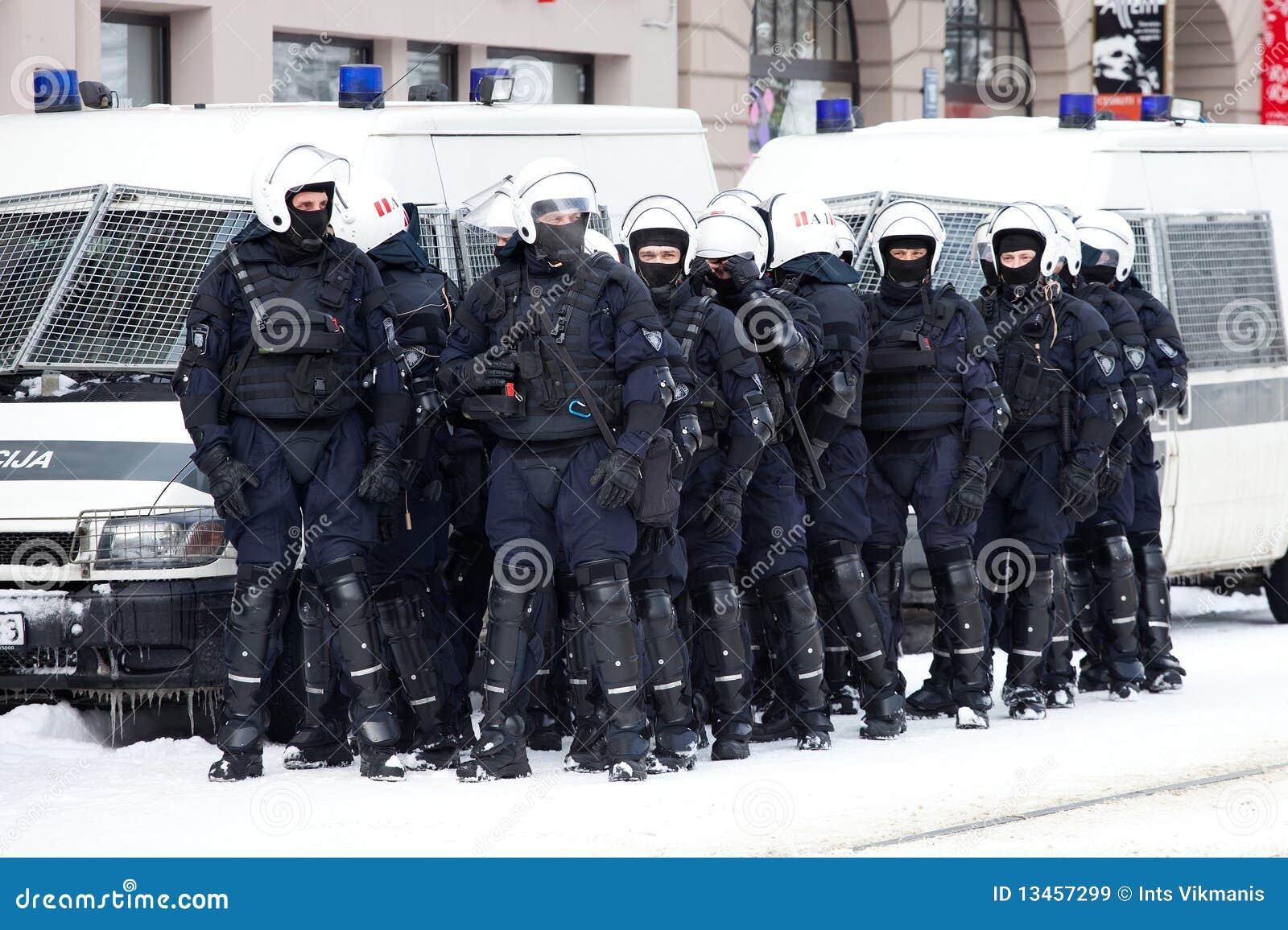 Aufstand-Polizei