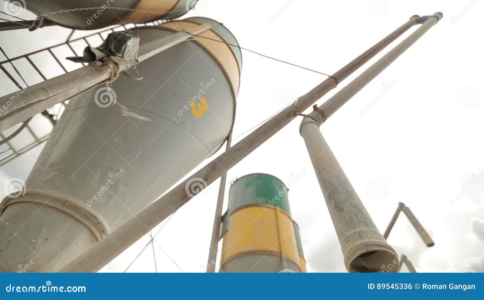Auger-Elevator, Elevator for vysypte grain in the car   Onthegounloadingconveyor, binemptying