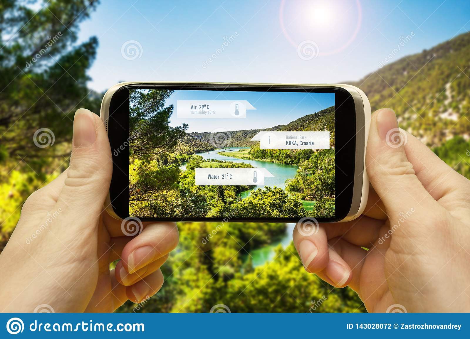 Augmented reality applications for travel and leisure. Hand with a smartphone app A / R on-screen information about the place of