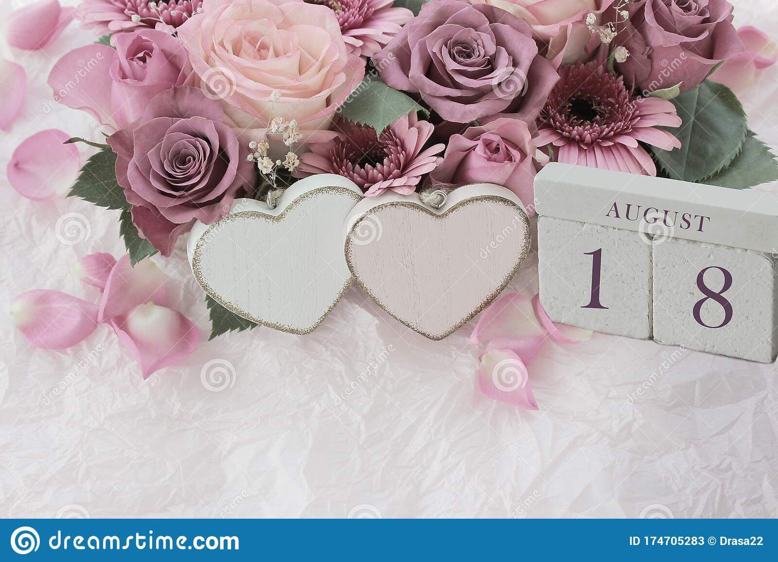 August 18th Wood Cube Calendar With Date Of Month And Day Pink Flowers Bouquet And Two Hearts Stock Image Image Of Deadline Birthday 174705283