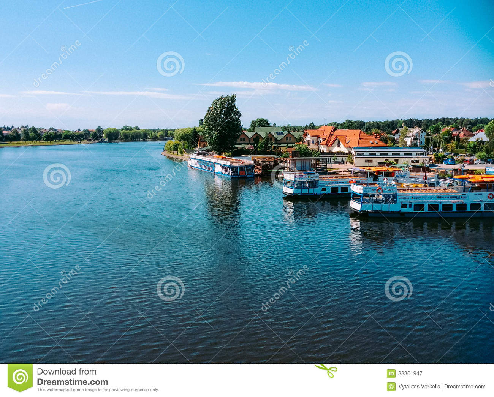 Augustow kanal och fartyg