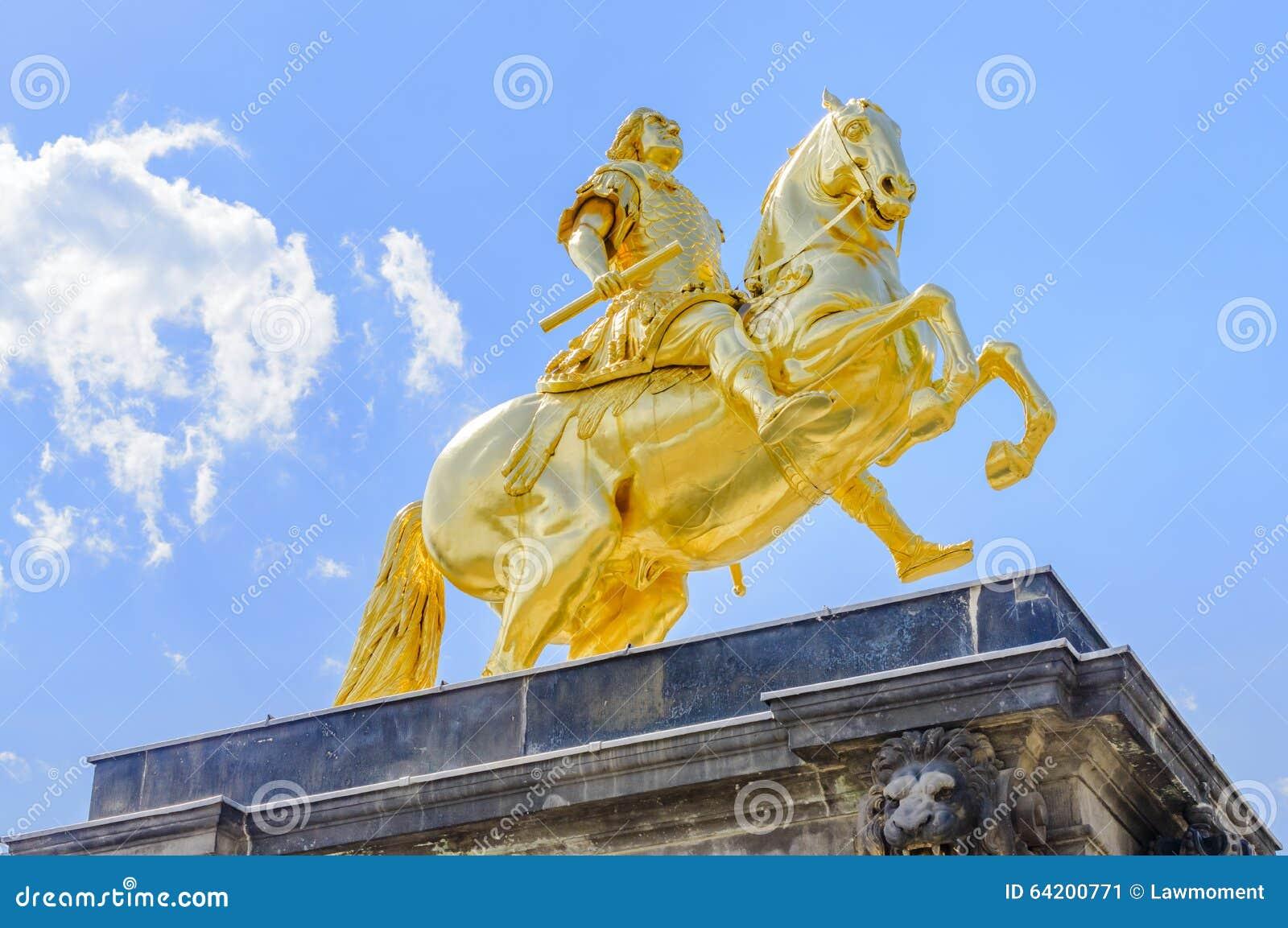 Augustus II la estatua fuerte en Dresden